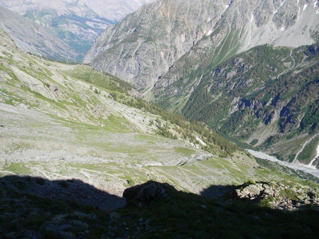 il bel sentiero che sale al rif Pelvoux