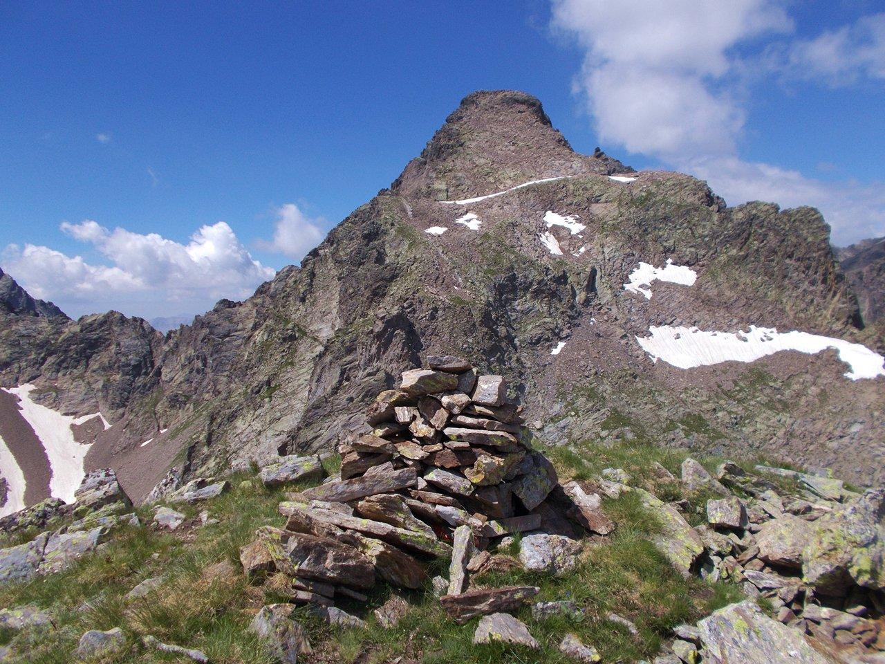 la cima e il Becco Alto  dell'Ischiator