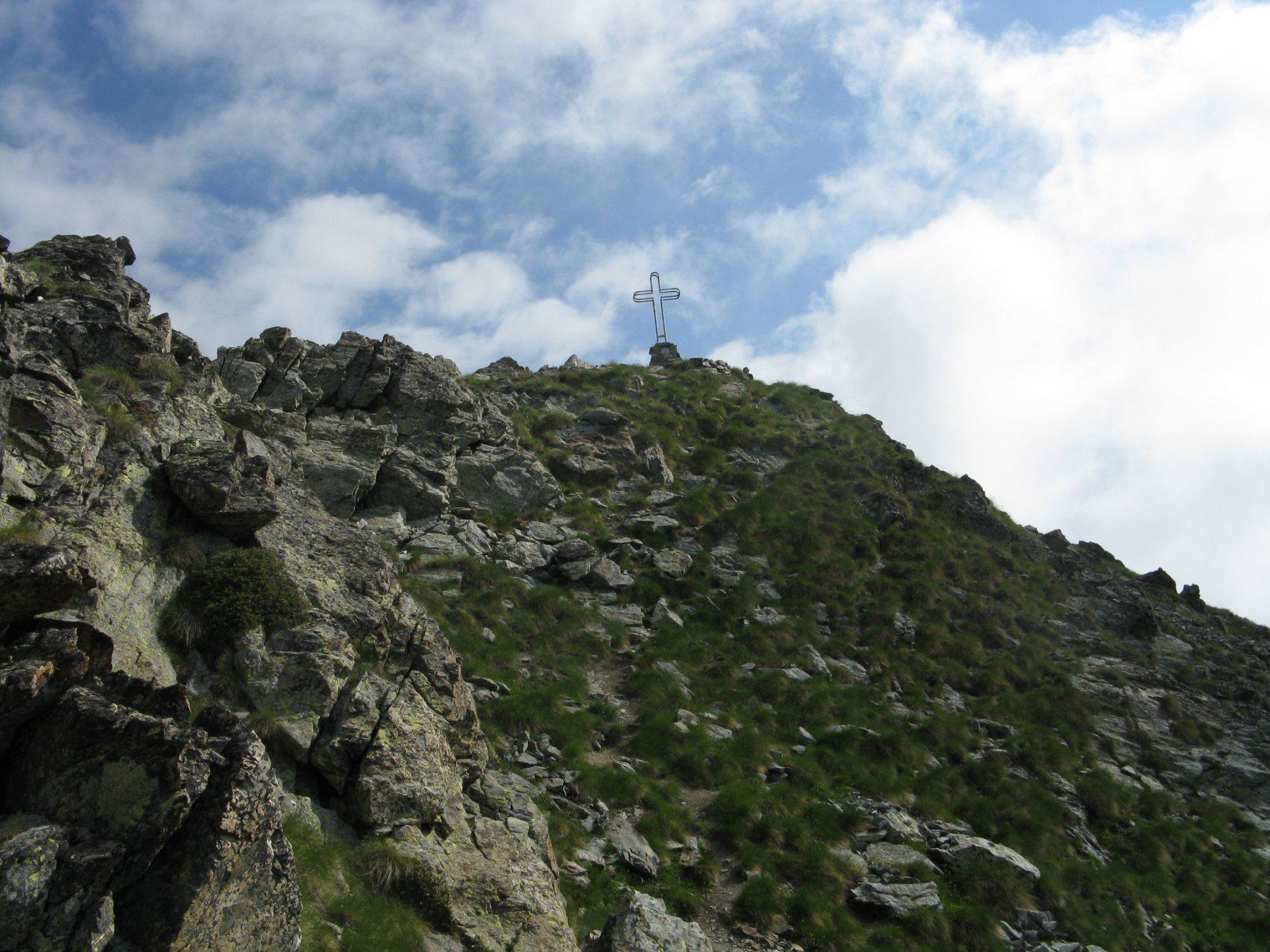la parte finale della cresta con la croce di vetta