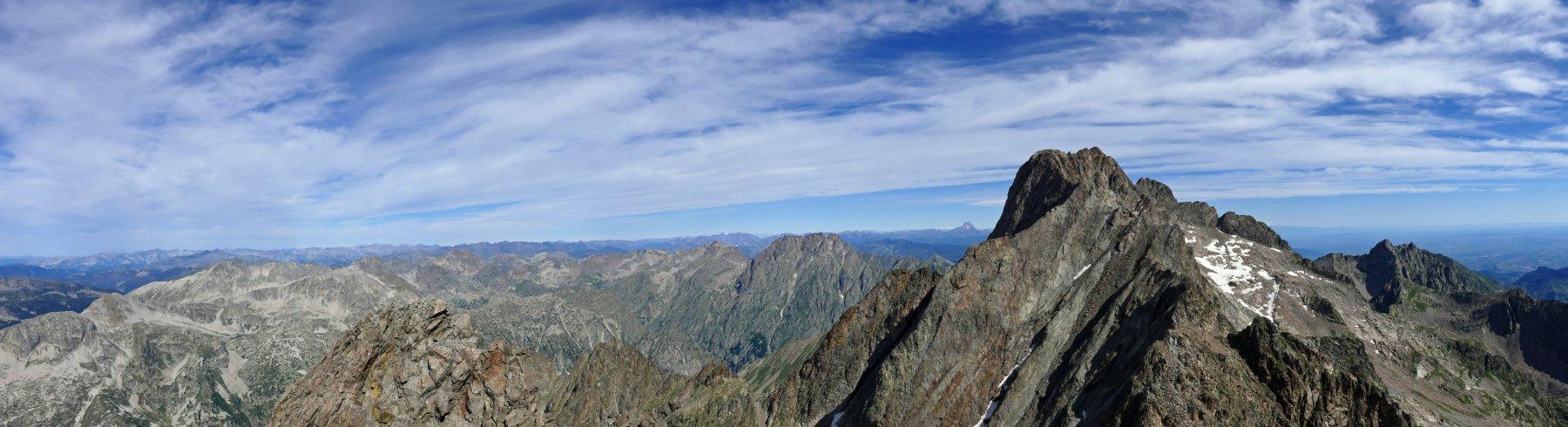 Panoramica dalla cima Centrale di Nasta