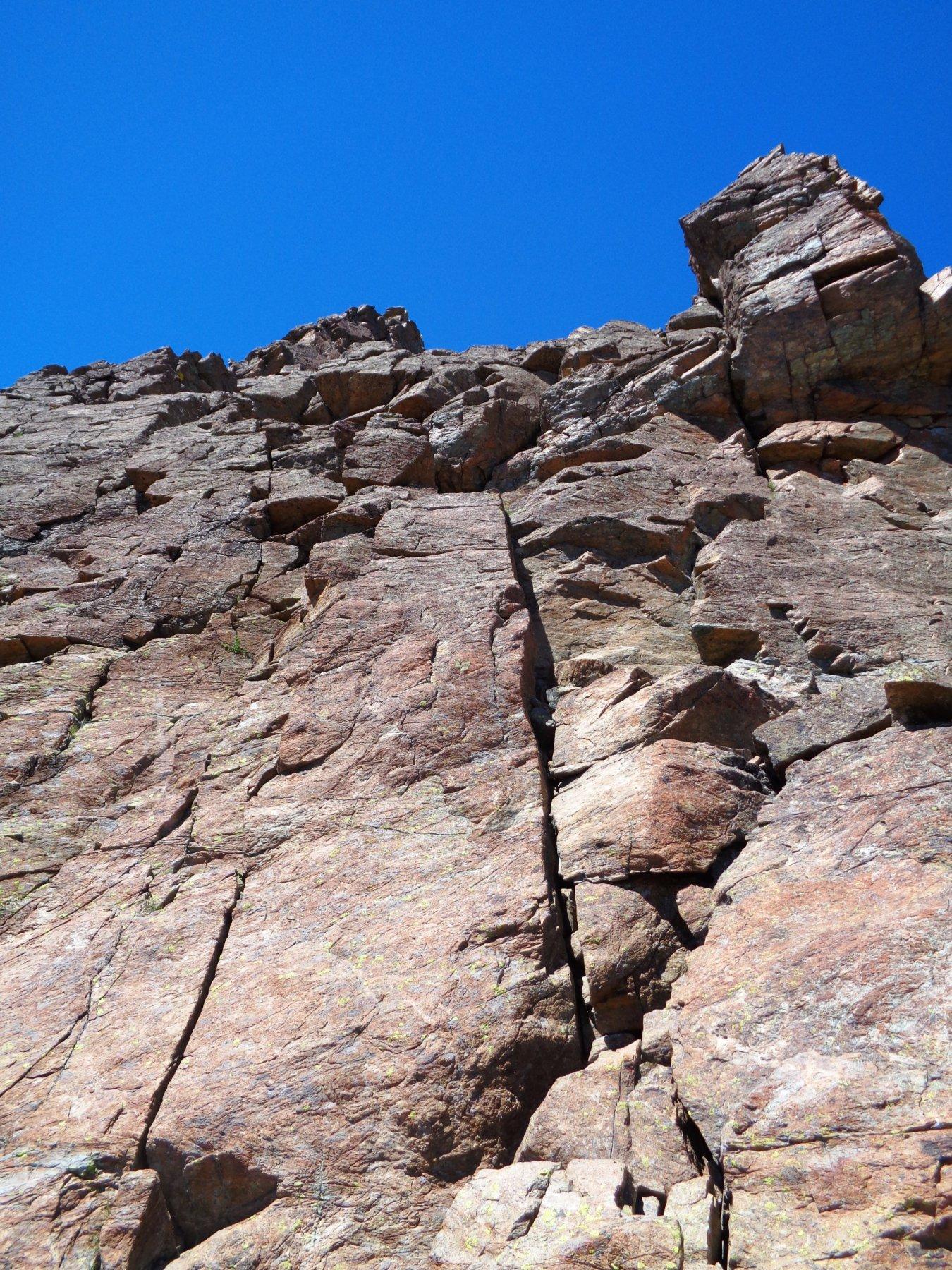 bella roccia lungo la cresta