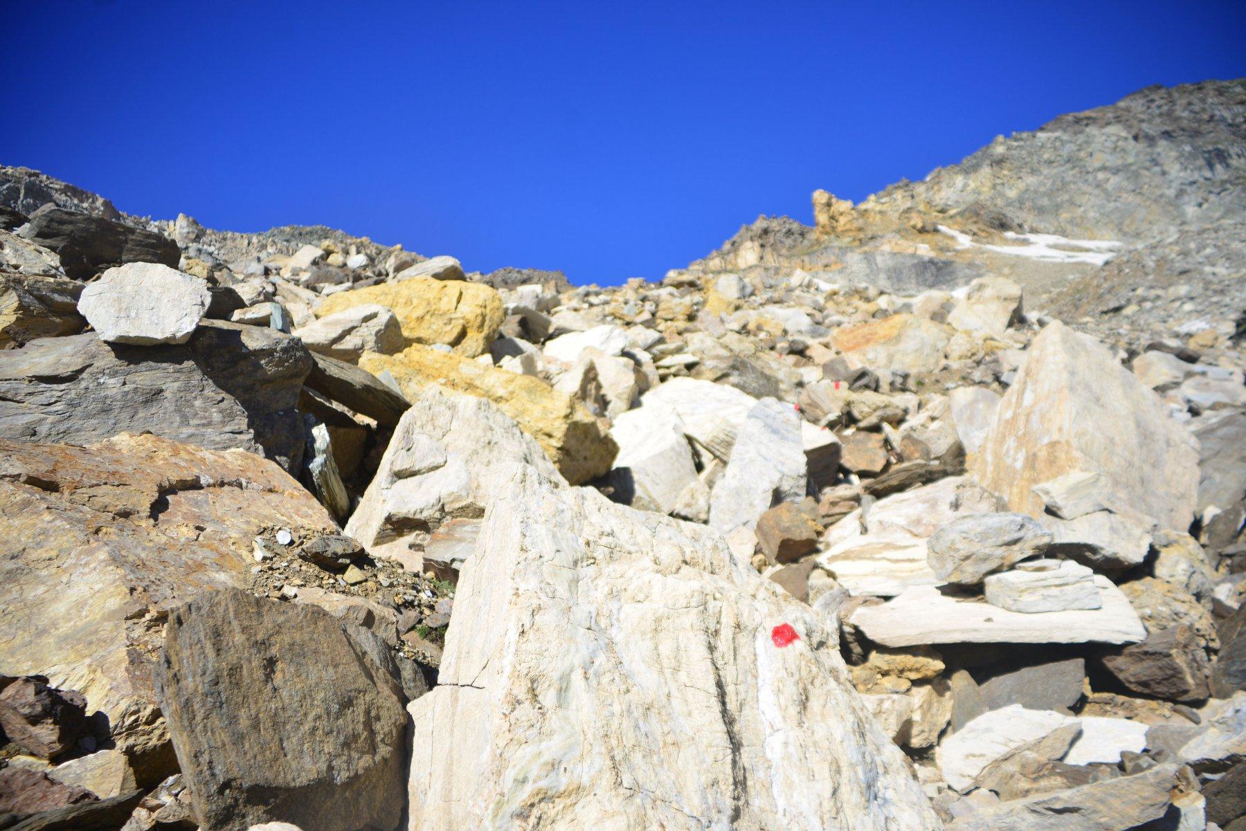 salita nella pietraia