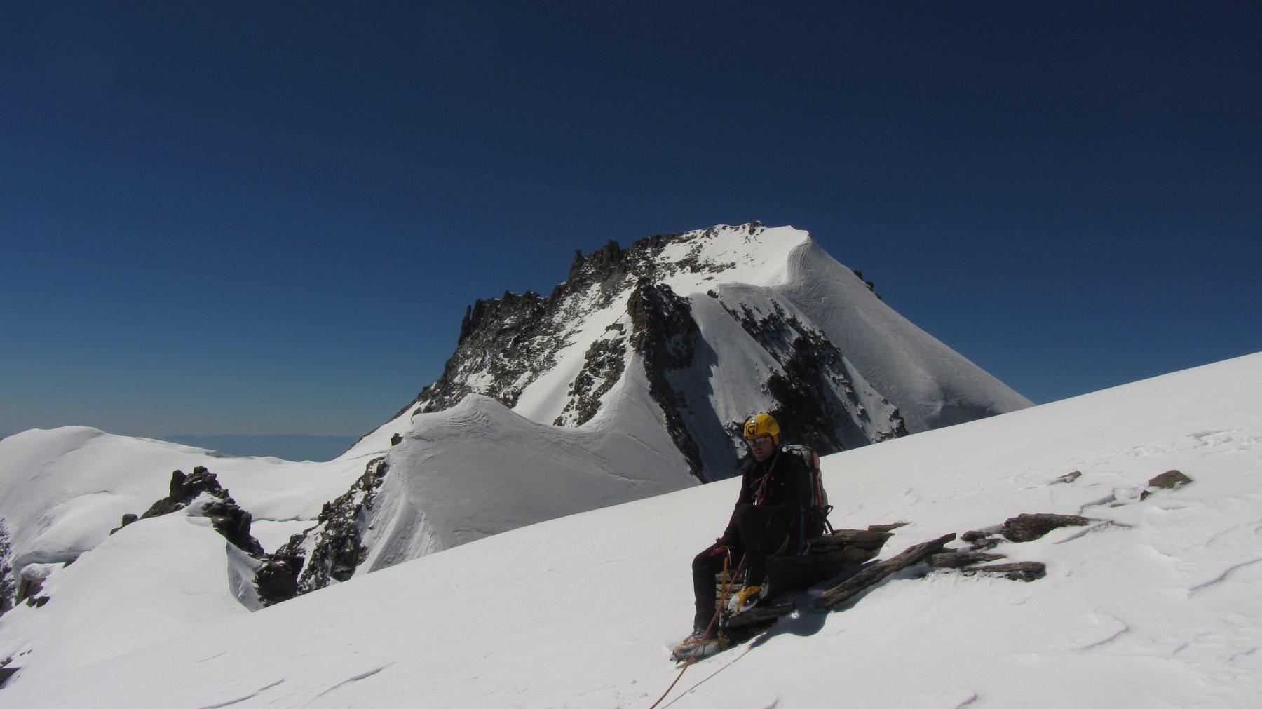 Sguardo sulla seconda parte della cresta dal colle del Piccolo Paradiso