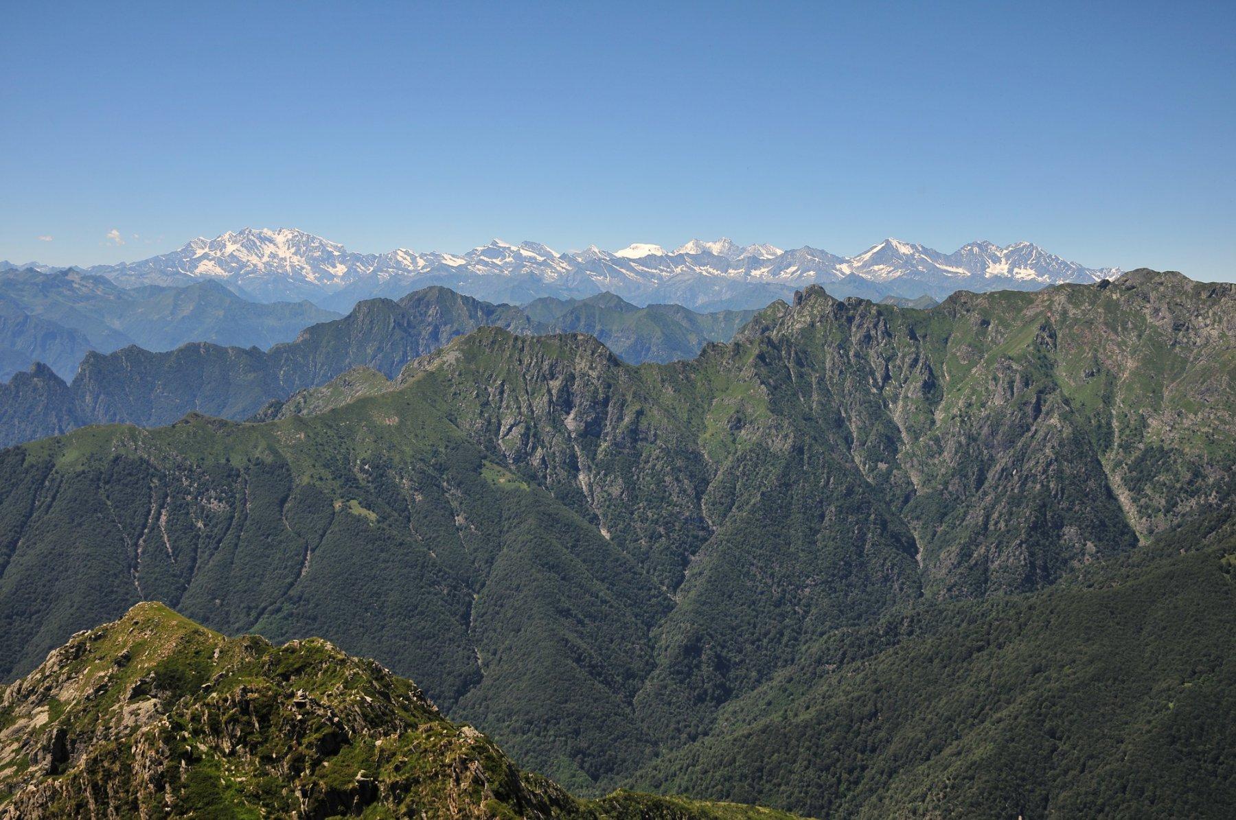 Panorama su Catena del Rosa e Valgrande