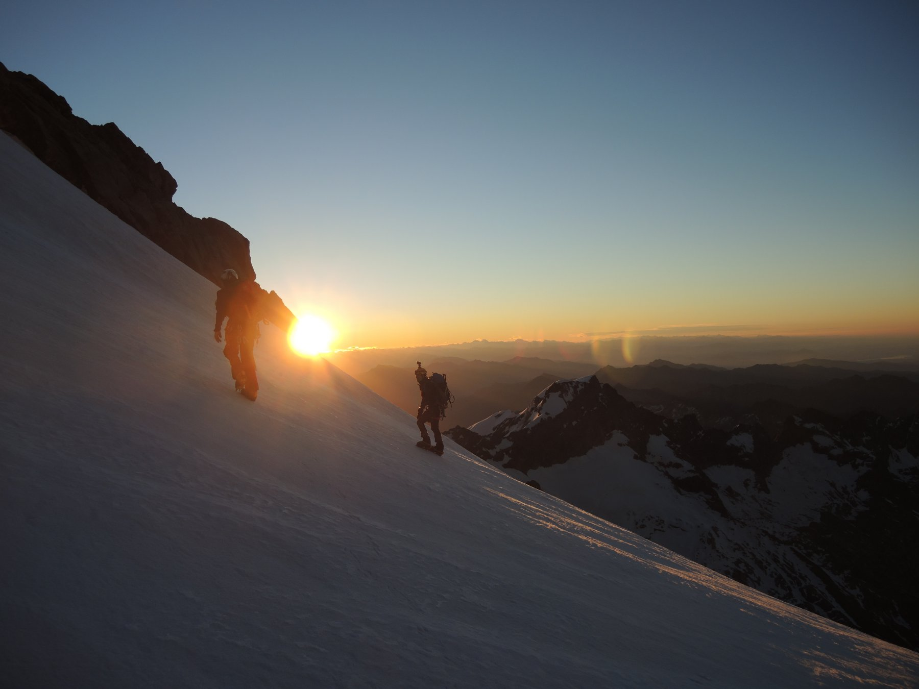 L'alba sul ghiacciao delle Piode