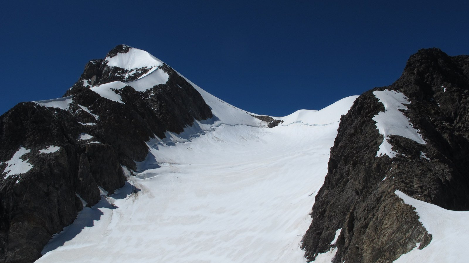 La Trelatete e il ghiacciaio visti dall'imbocco del canale