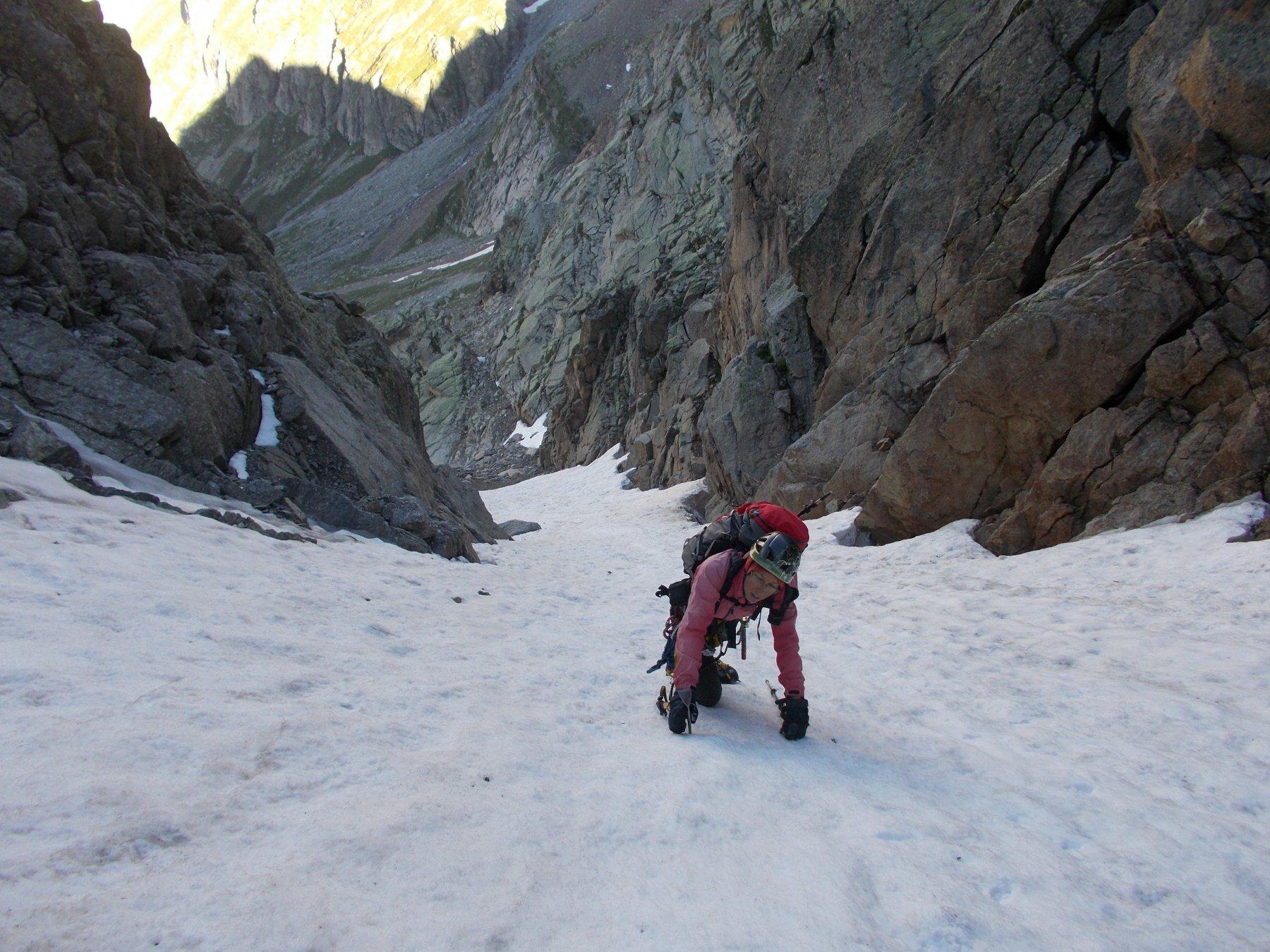 piu' neve in corrispondenza degli attacchi delle vie d'arrampicata..