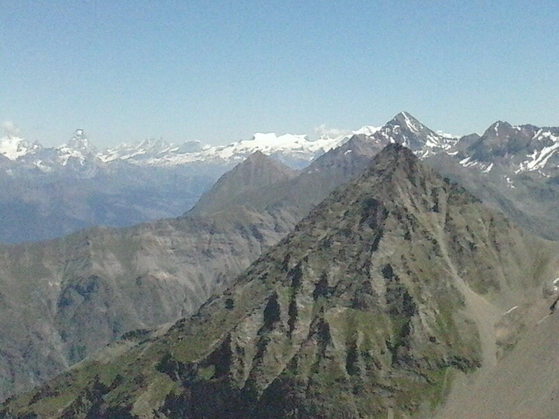 l'arrivo al colle..panorama verso il Cervino, il Monte Rosa etc...
