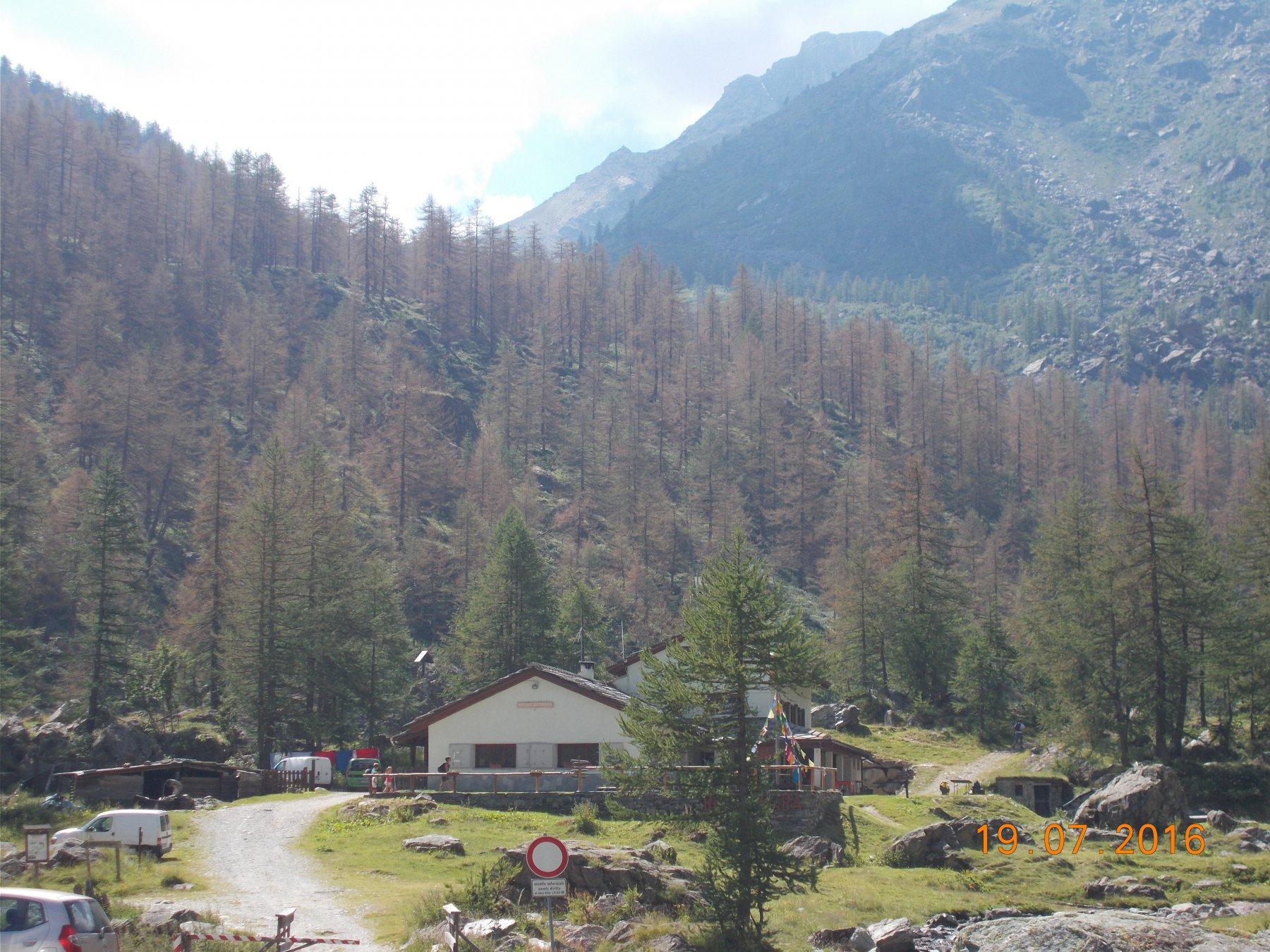 Partenza dal Rifugio Barbara Lowrie sito in località Pis della Rossa a 1753m.