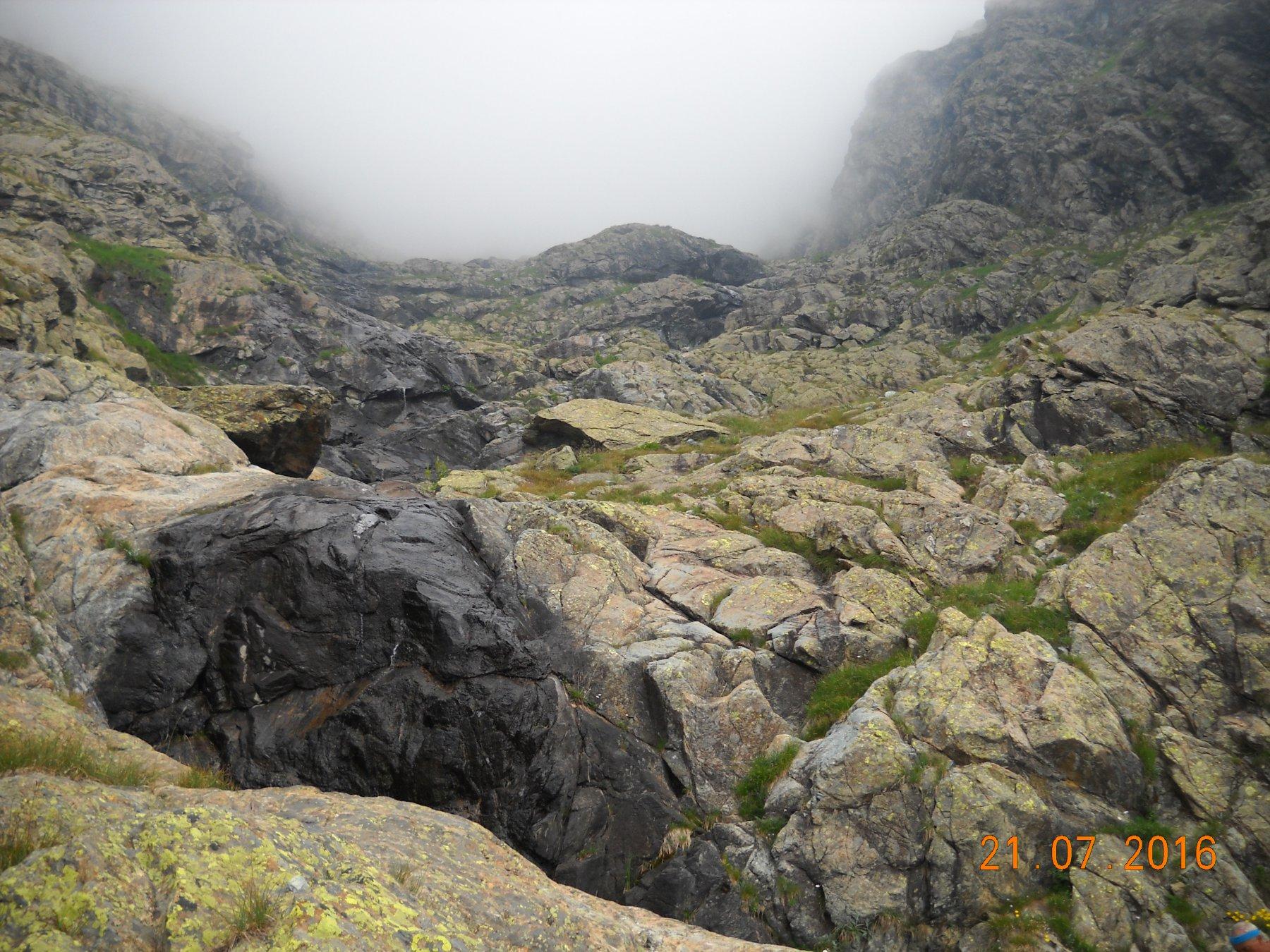 i salti di roccia che scendono dal vallone del Ru