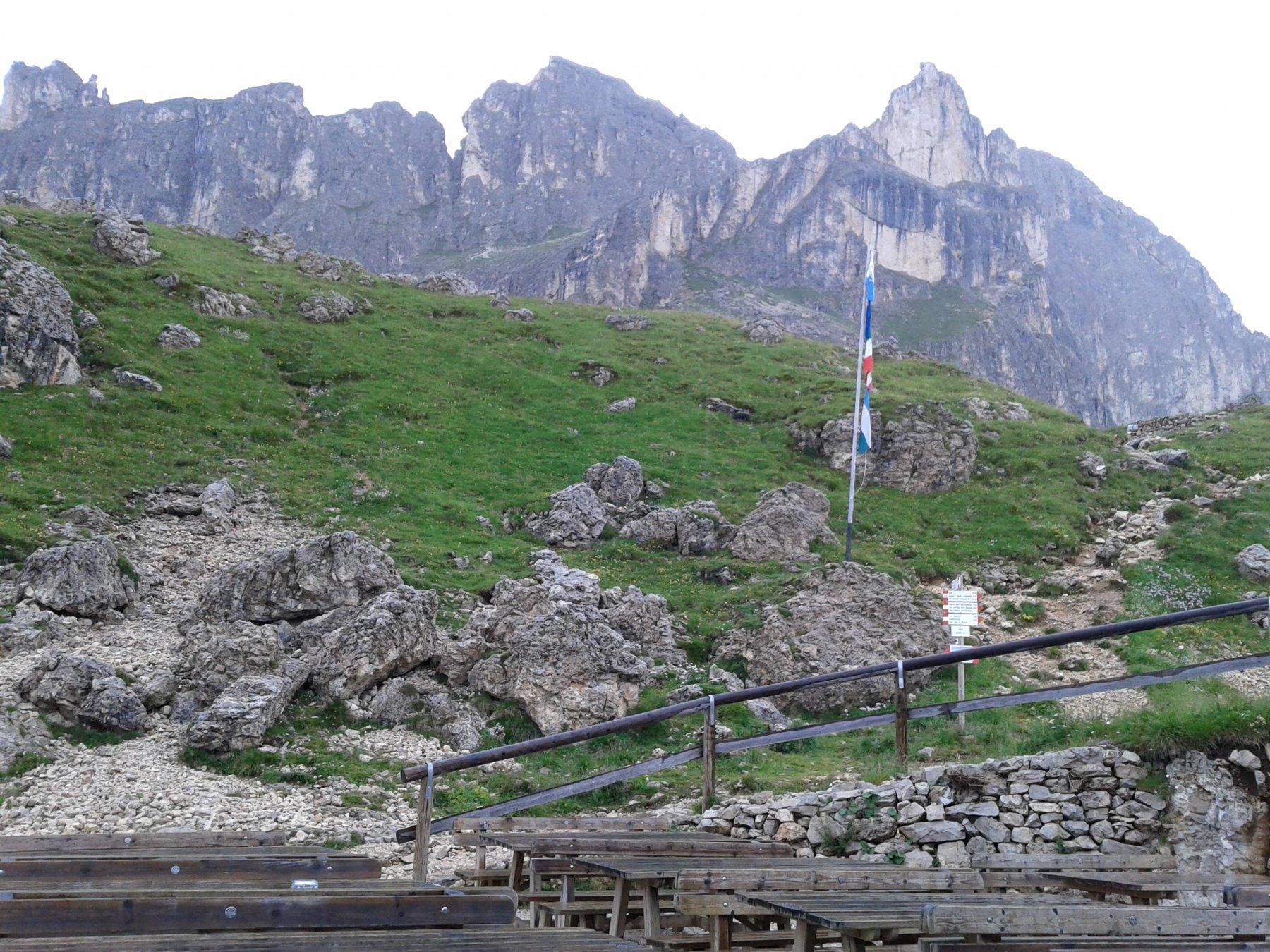 Da sinistra: Torri del Masarè, Roda del Diavolo, Croz di S. Giuliana, dal Rif. Roda di Vael
