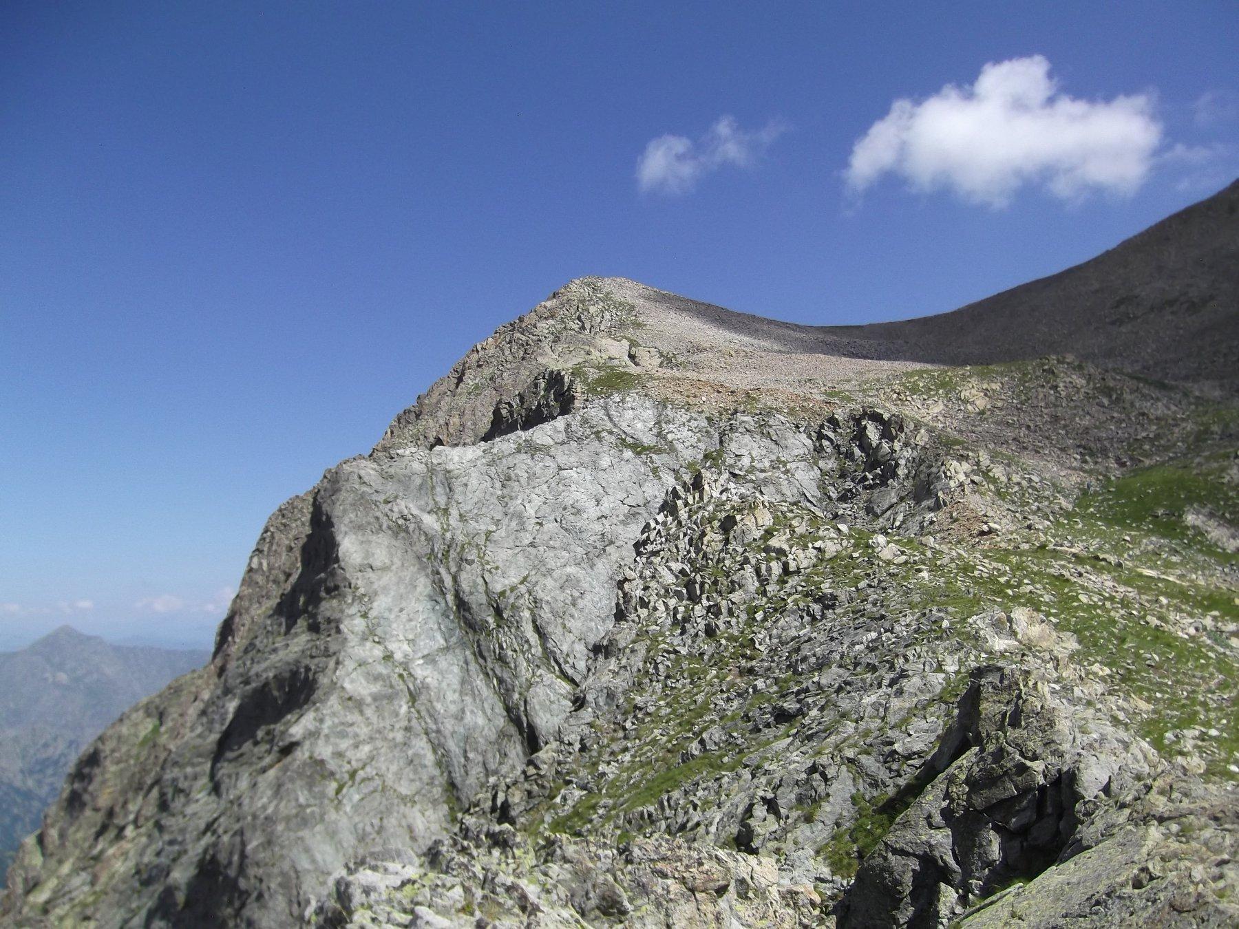 Cima Ovest del Lago dell'Agnel (m.2796).