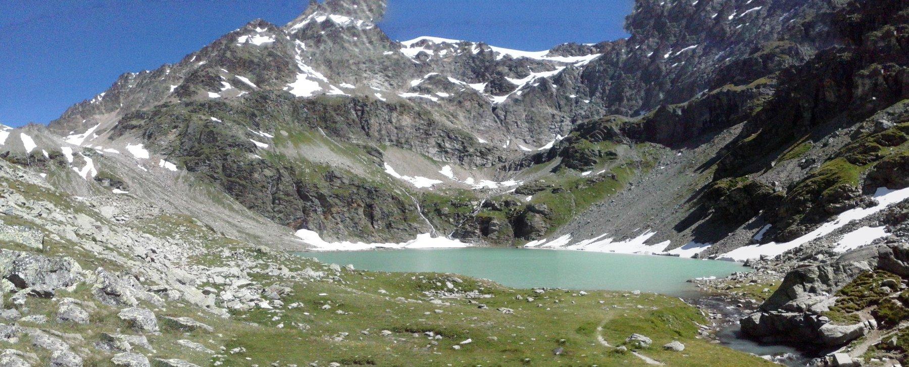 l'arrivo al lago color smeraldo...ancora nessuno prima di noi...
