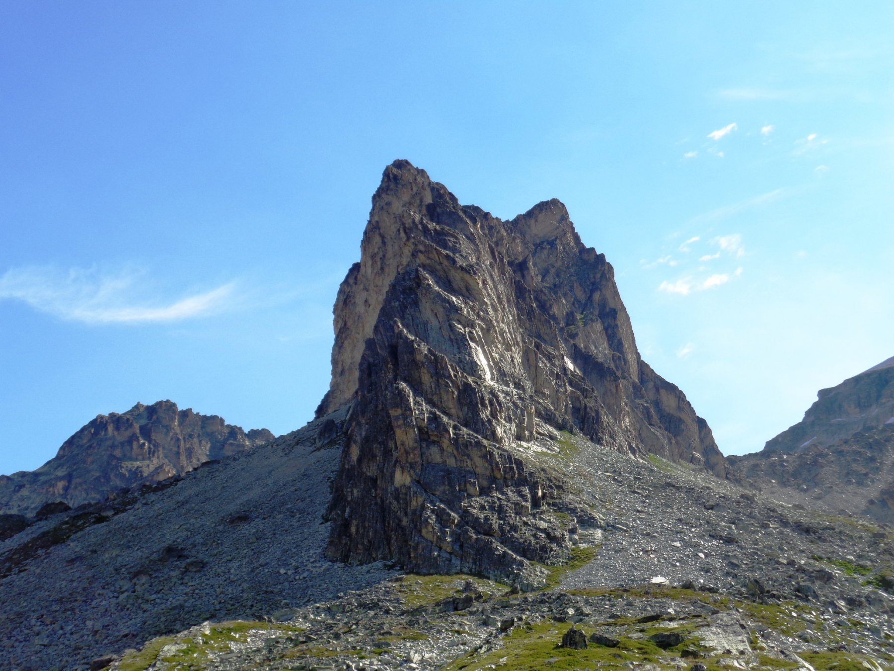 La cresta SW vista da sotto