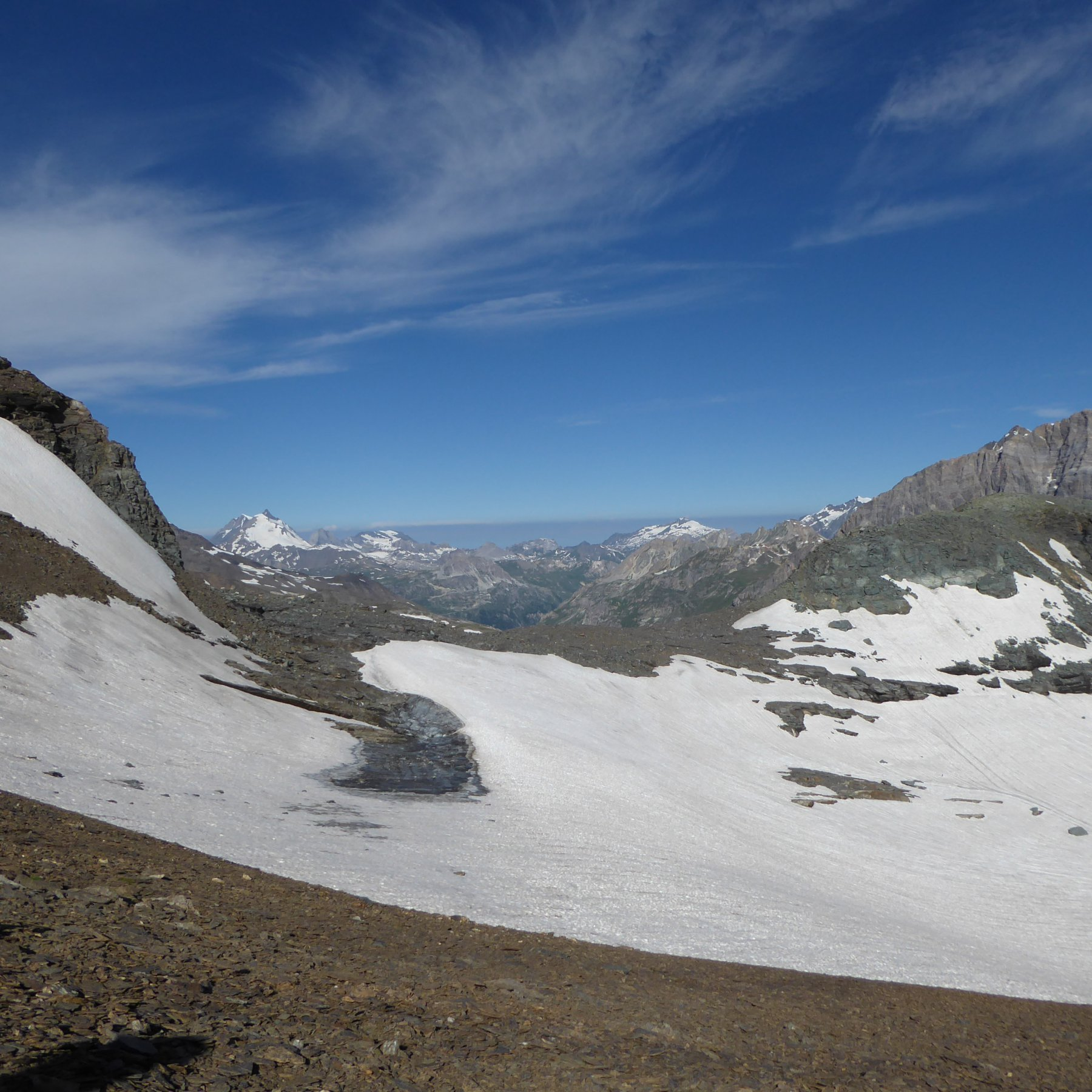 Passo della Vacca visto dal costone (3000 m) da cui si prende il sentiero della Nord