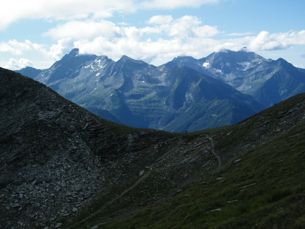 Il Colle Palasina con Mont Nery e Dame di Challand sullo sfondo.