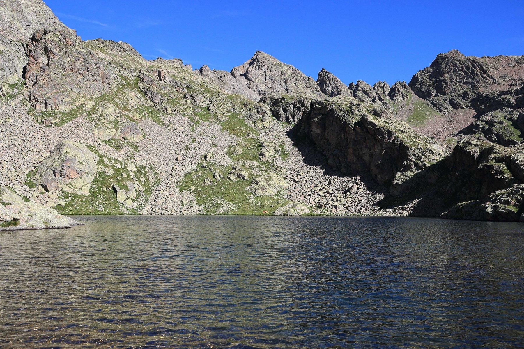 Il Corborant al centro, visto dal primo lago.