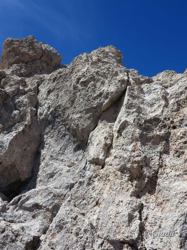 Ultimi tre metri dove si deve arrampicare per la cima dell'Aiguilles de Tortisse