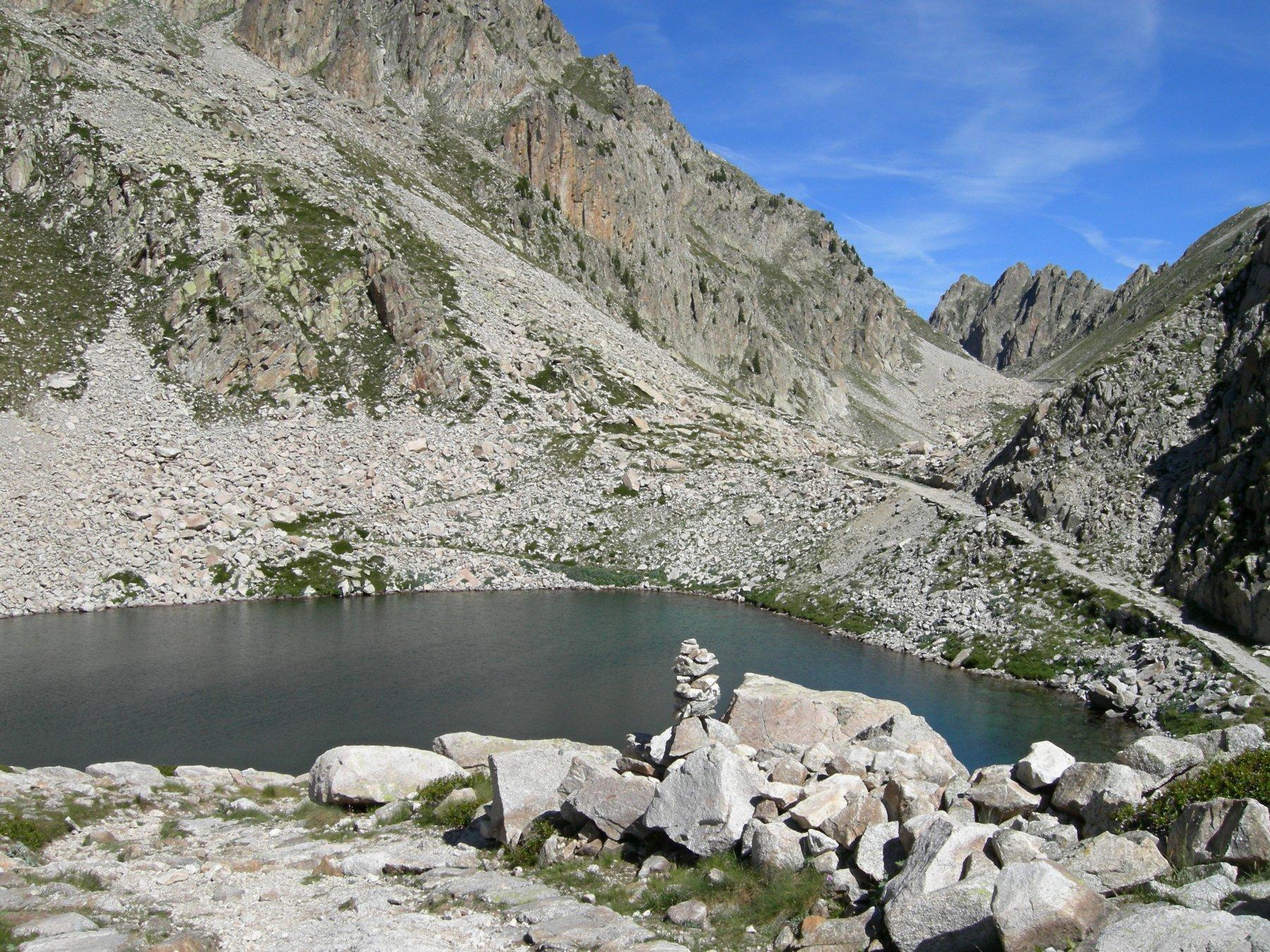 lago mediano salendo verso il bivacco