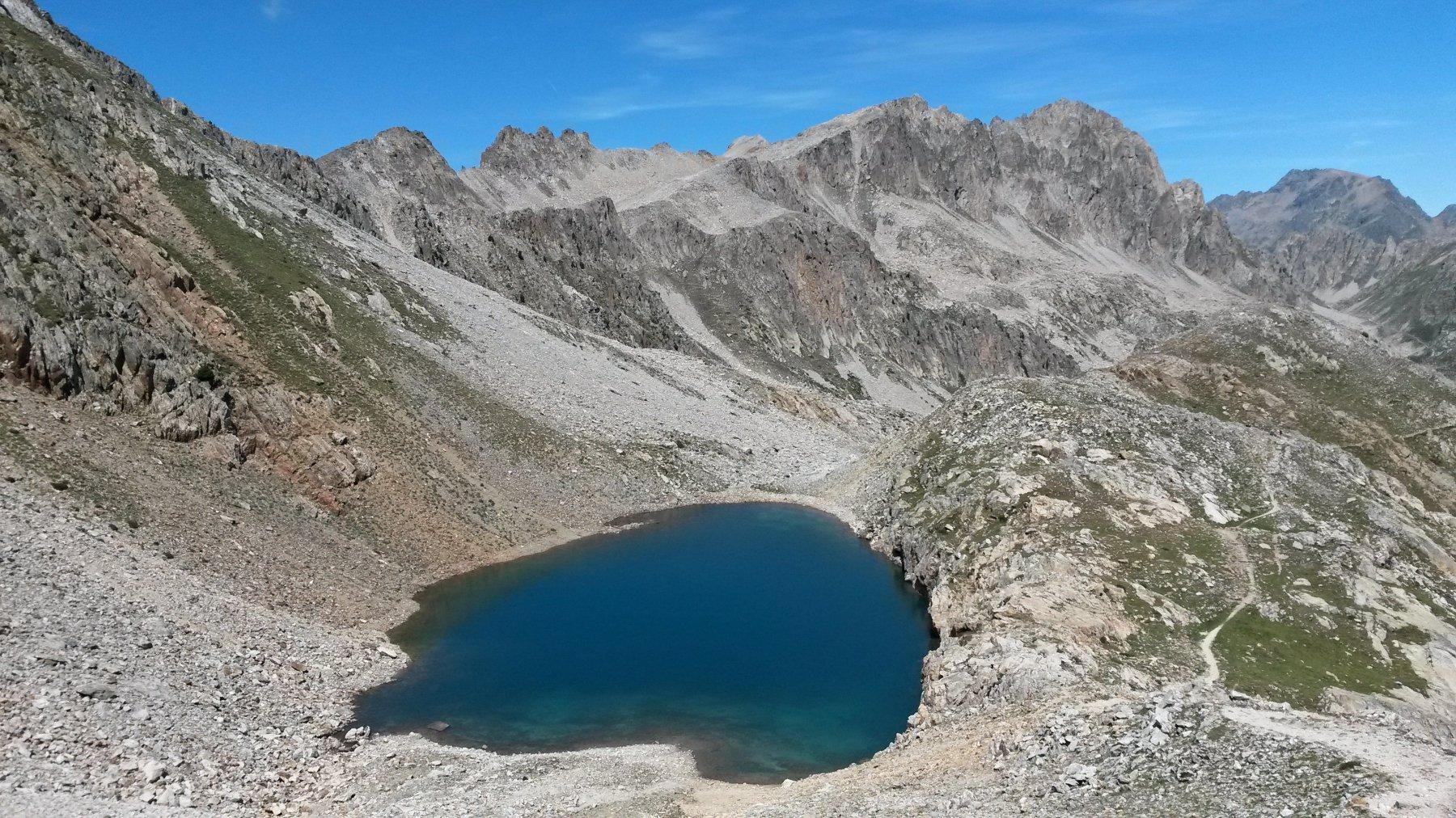 ultimo lago sotto il colle
