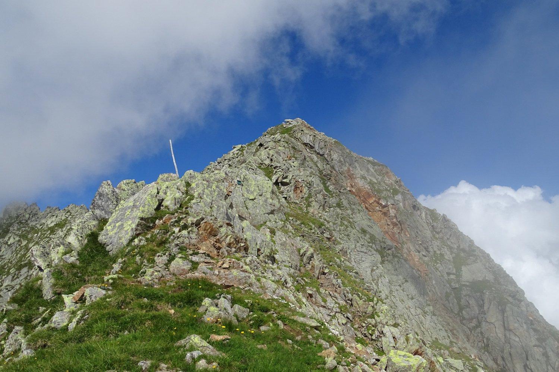 la facile cresta per la cima