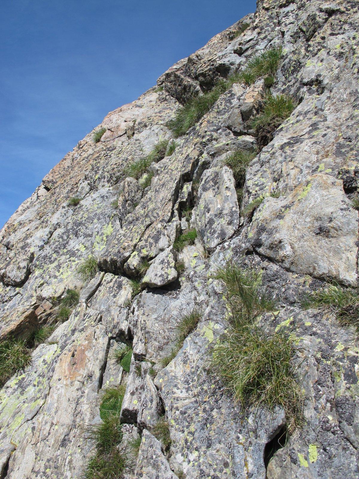 L'unico tratto che necessita l'uso delle mani a monte del Passo Cabrera