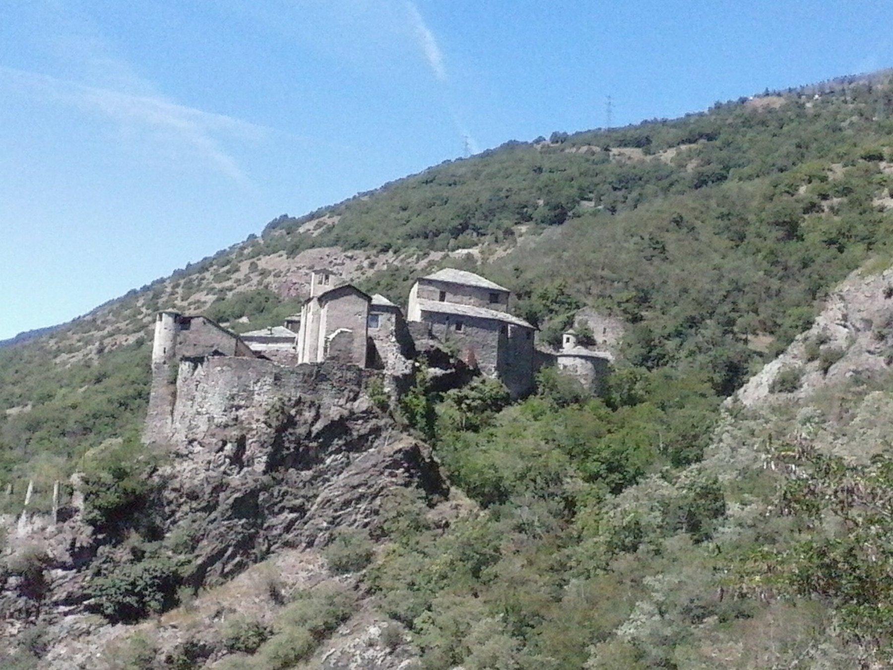 l'interessante castello di Quart visitabile gratuitamente  in  questo mese...