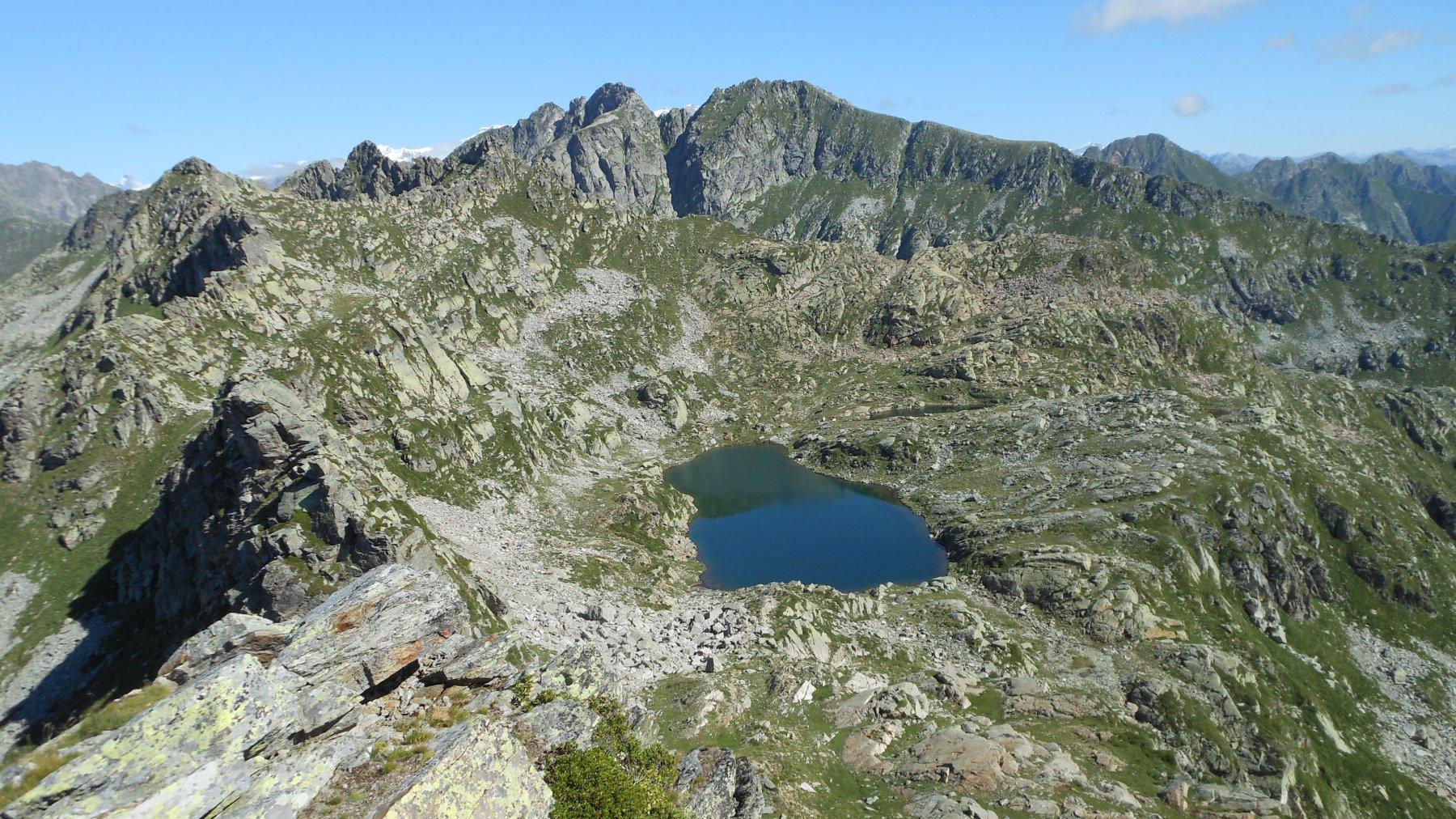 Punta Lazoney, Cossarello e lago Tre Vescovi superiore