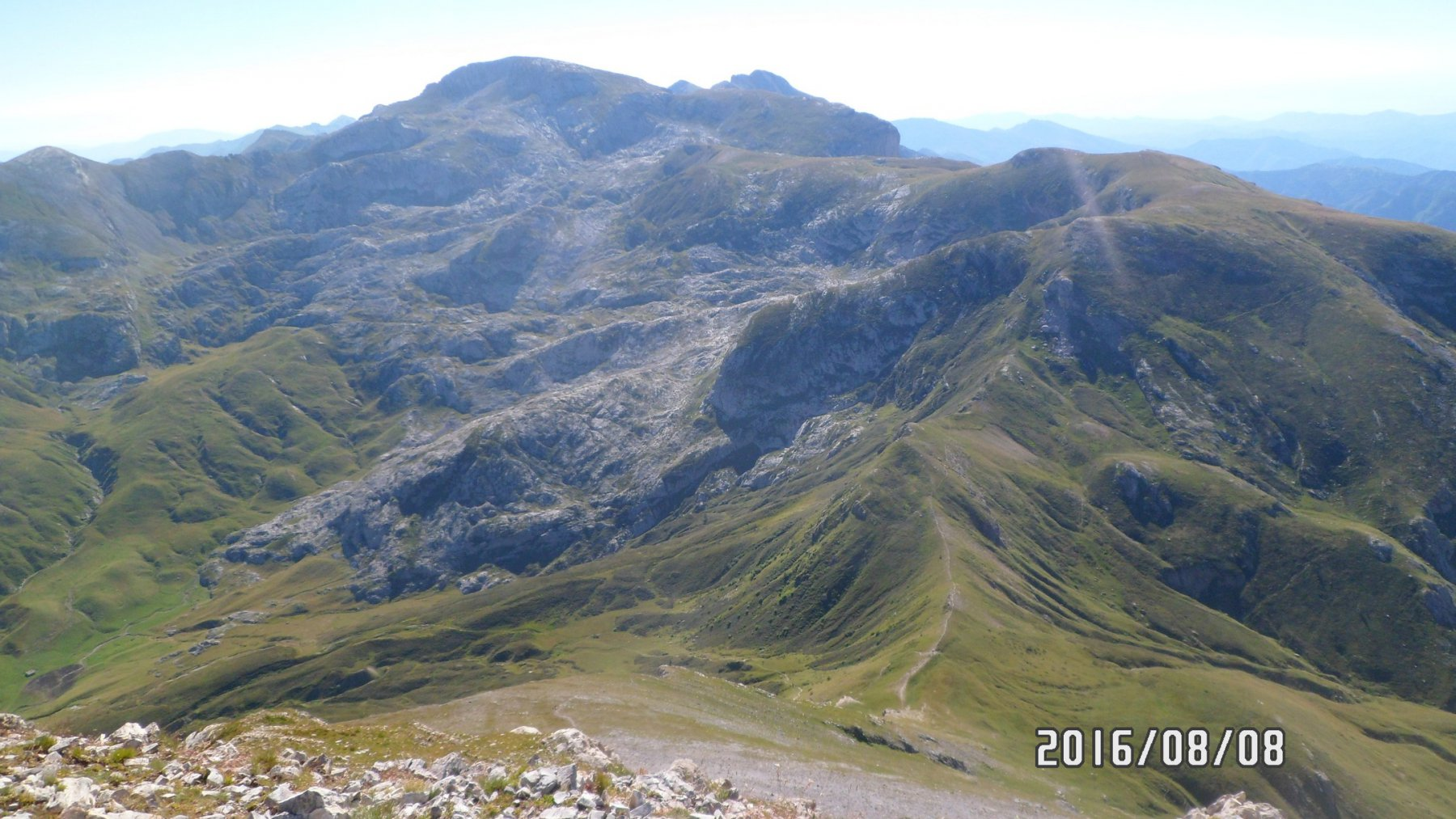 Mongioie, cima Pian Comune e passo delle Saline da cima delle Saline
