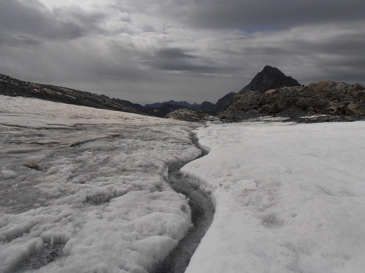 01 - sul ghiacciaio sotto la Collerin, Bessanese sullo sfondo