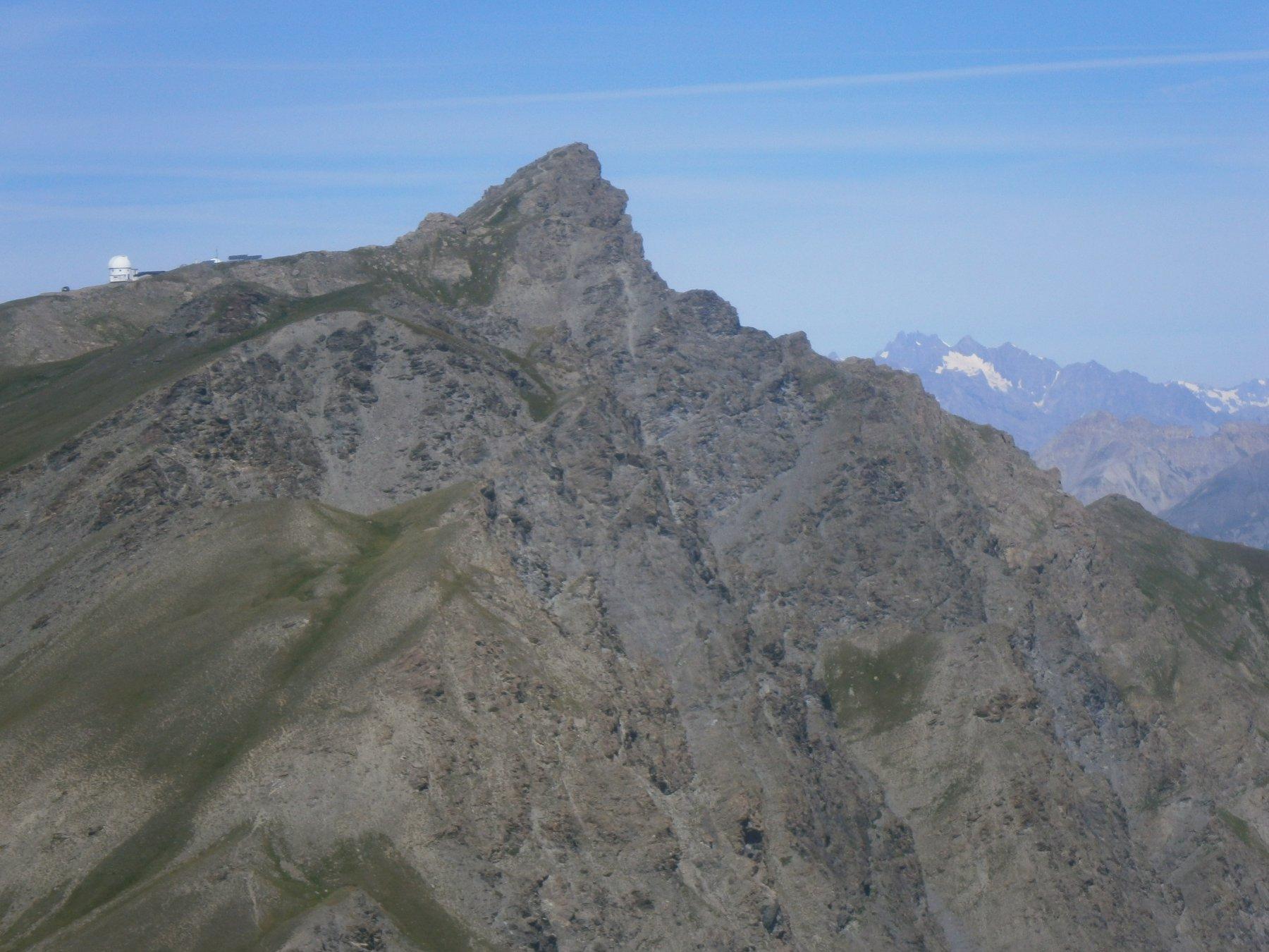 La bella cima vista dal pic Traversier