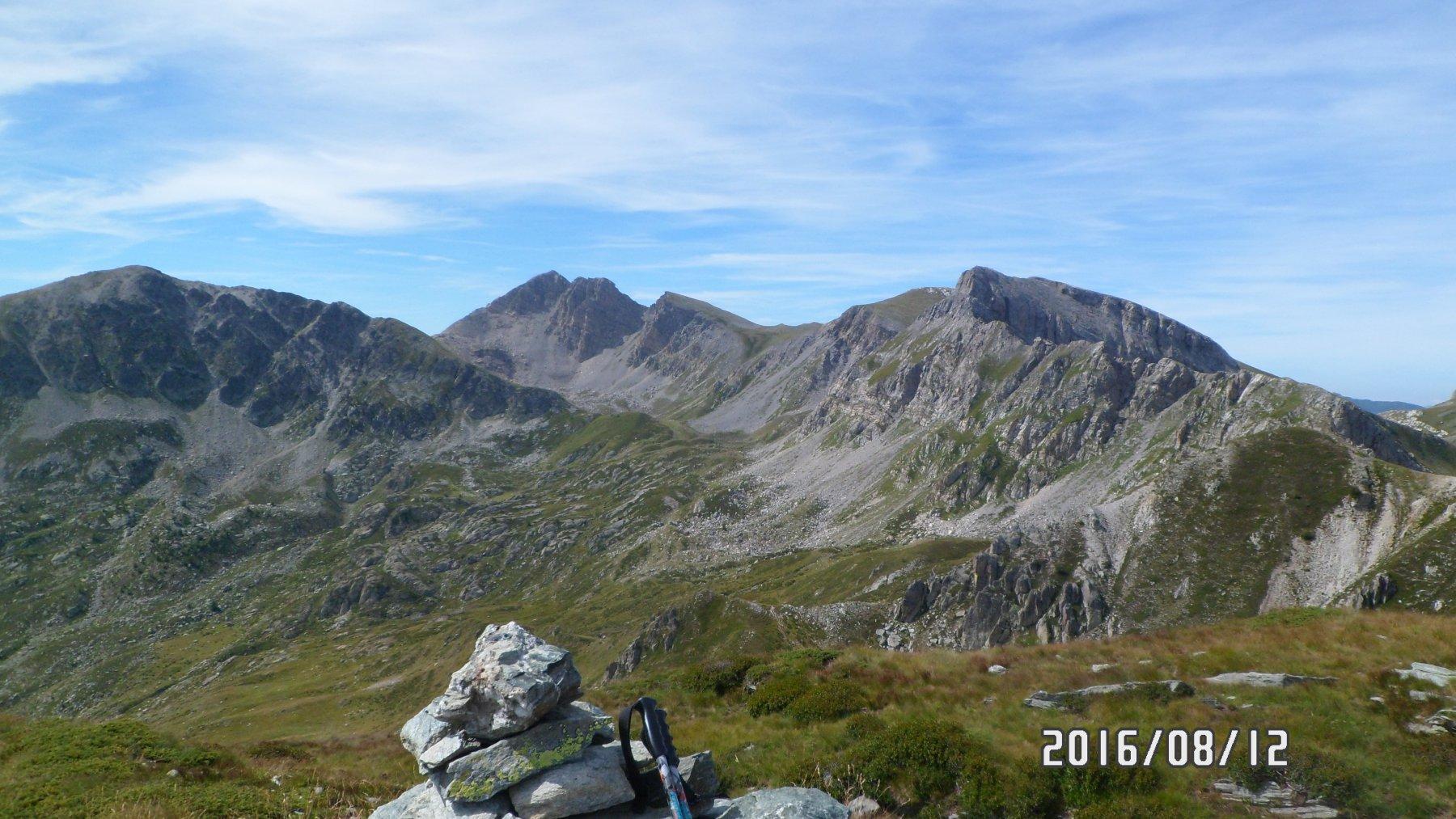 Punta dello Zucco - a partire dal centro andando verso dx le altre 3 cime salite, Conoia, Rotondo e Revelli