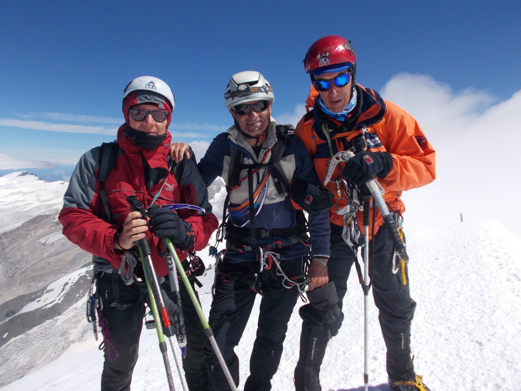 Con il team di esperti Patrizio e Paolo in cima al Breithorn occidentale..