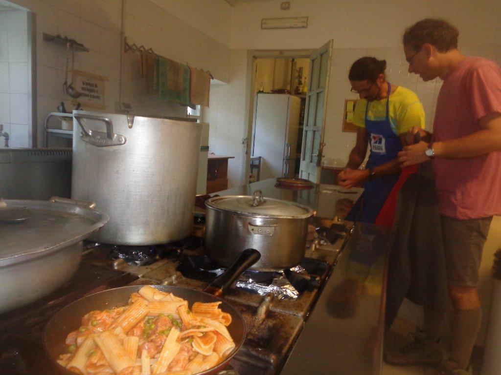 la cucina ed il gestore Oscar