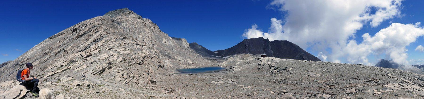 Panoramica sul Mongioia, lago, bivacco e Salza
