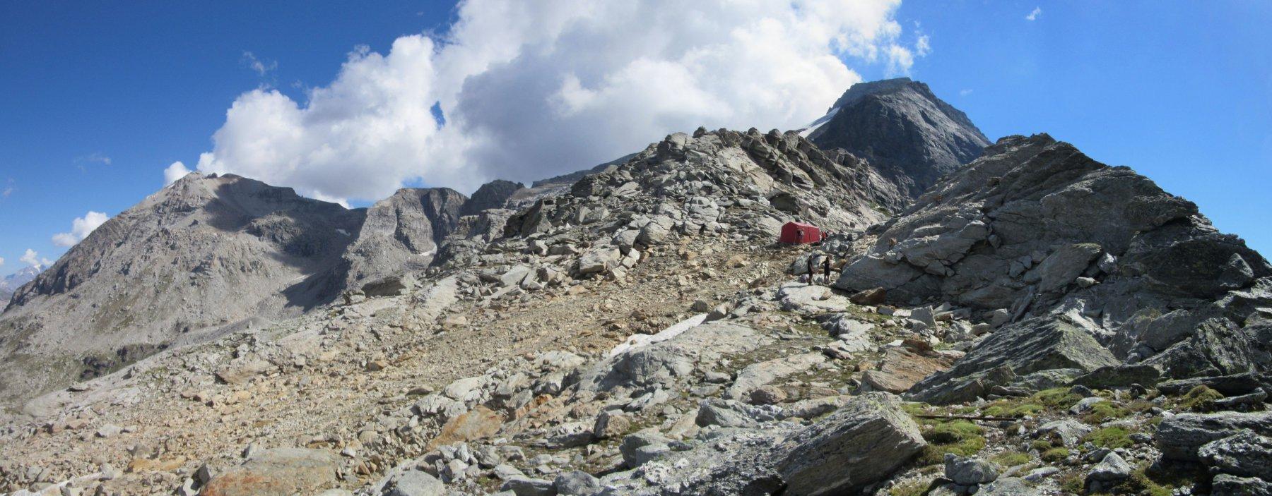 Bivacco Blais con il monte Niblè