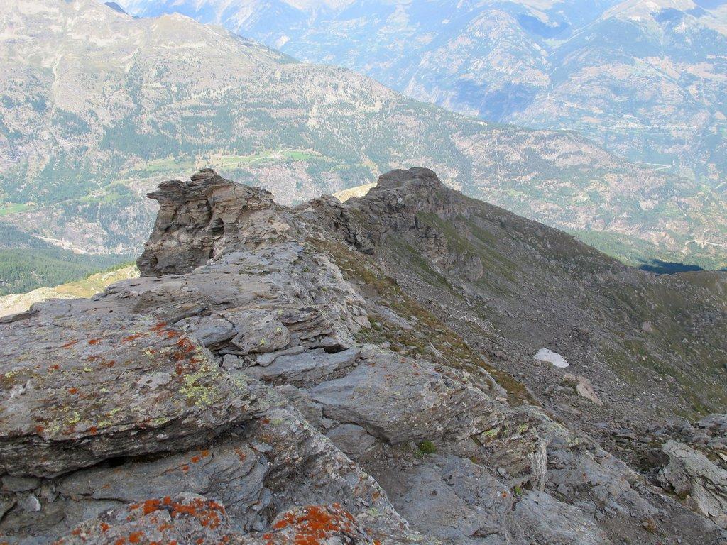 Curiose formazioni rocciose sulla cresta N