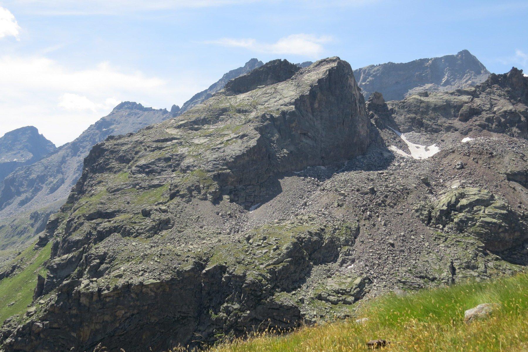 Scendendo alla gorgiassa, vista su Punta delle Carnere
