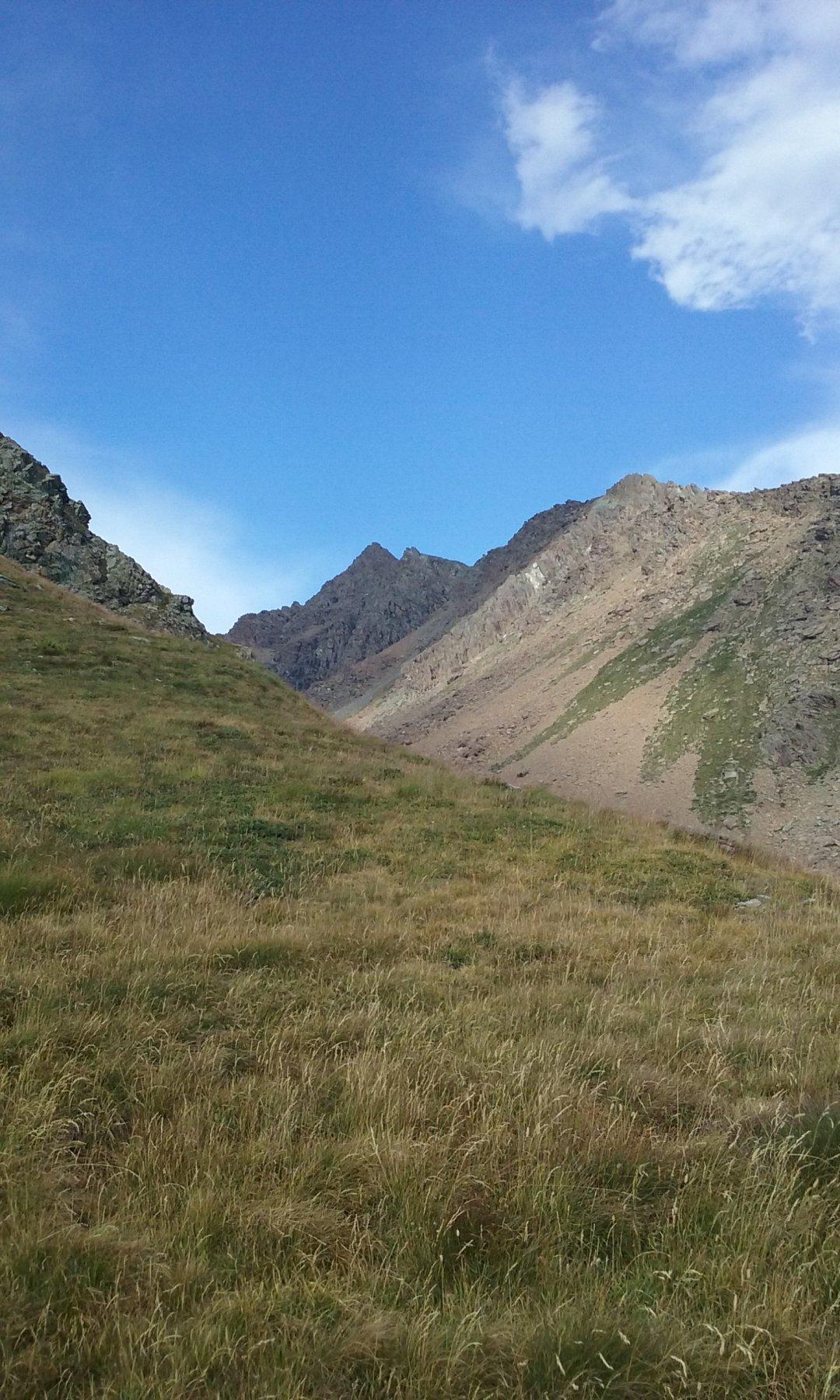 Il Rocciavrè dal sentiero poco sopra il casotto del Guardiaparco