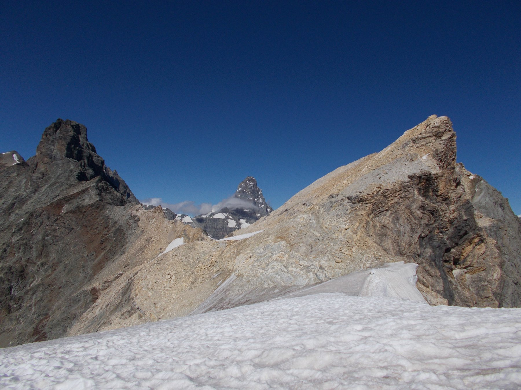 ..al Col des Dames..con il Mont Blanc du Creton a dx le Petit Murailles a sx e il Cervino in mezzo..