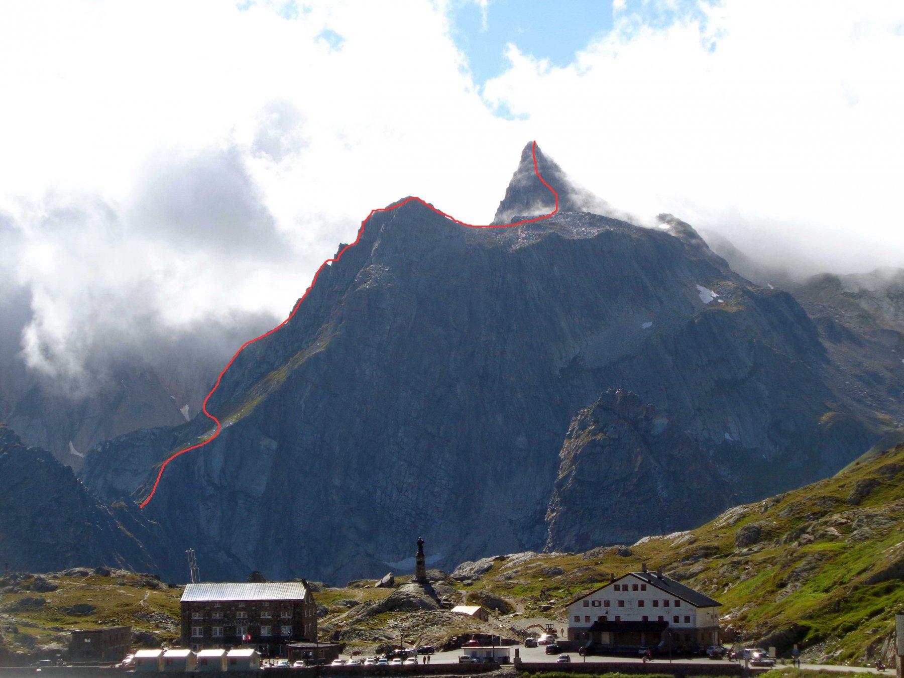 cresta e percorso della via vista dal colle del g. s. bernardo