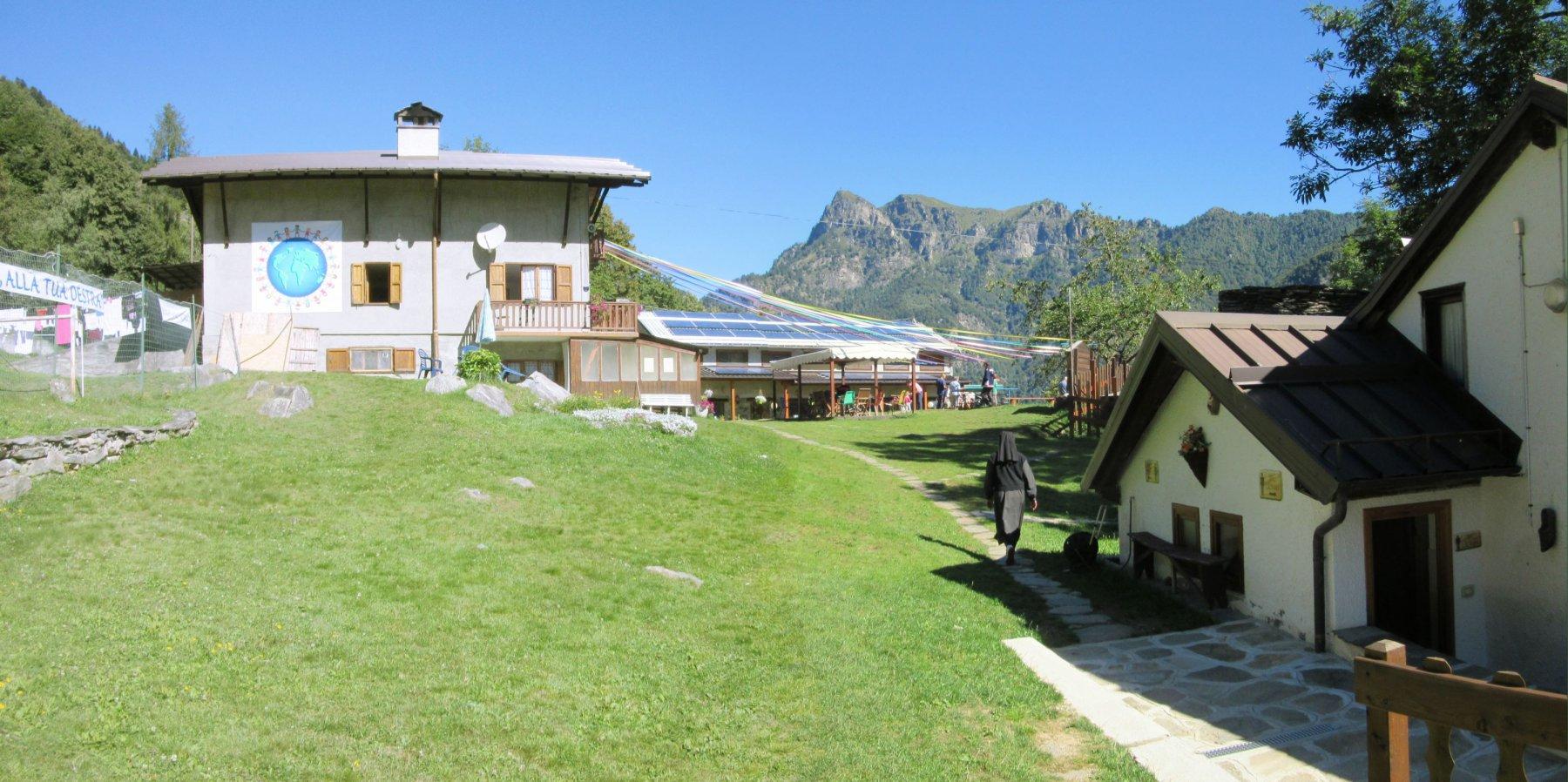 Eccoci al complesso dell'Alpe Solivo di Palancato