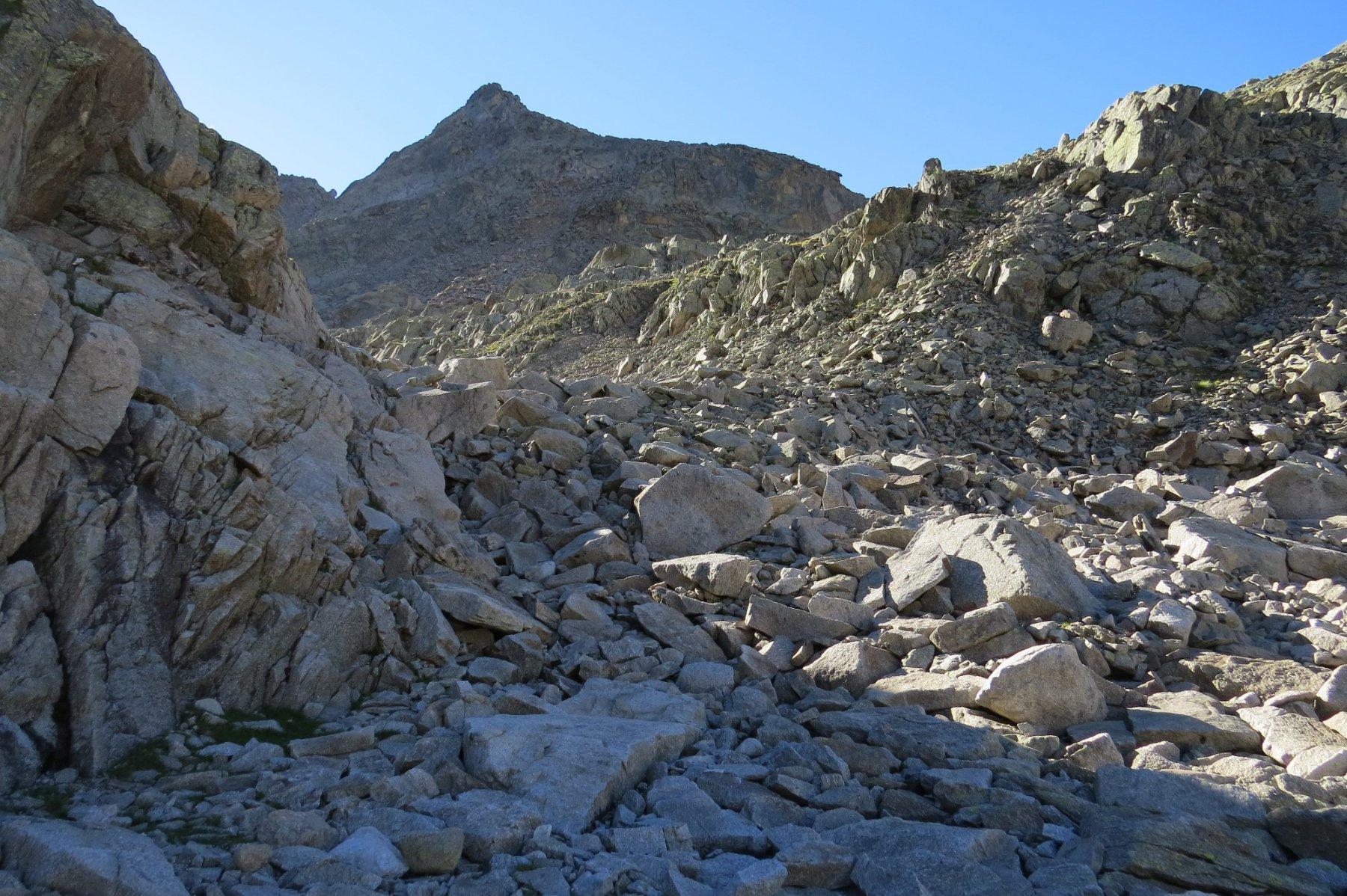 Valloncello di salita con Punta della Motta