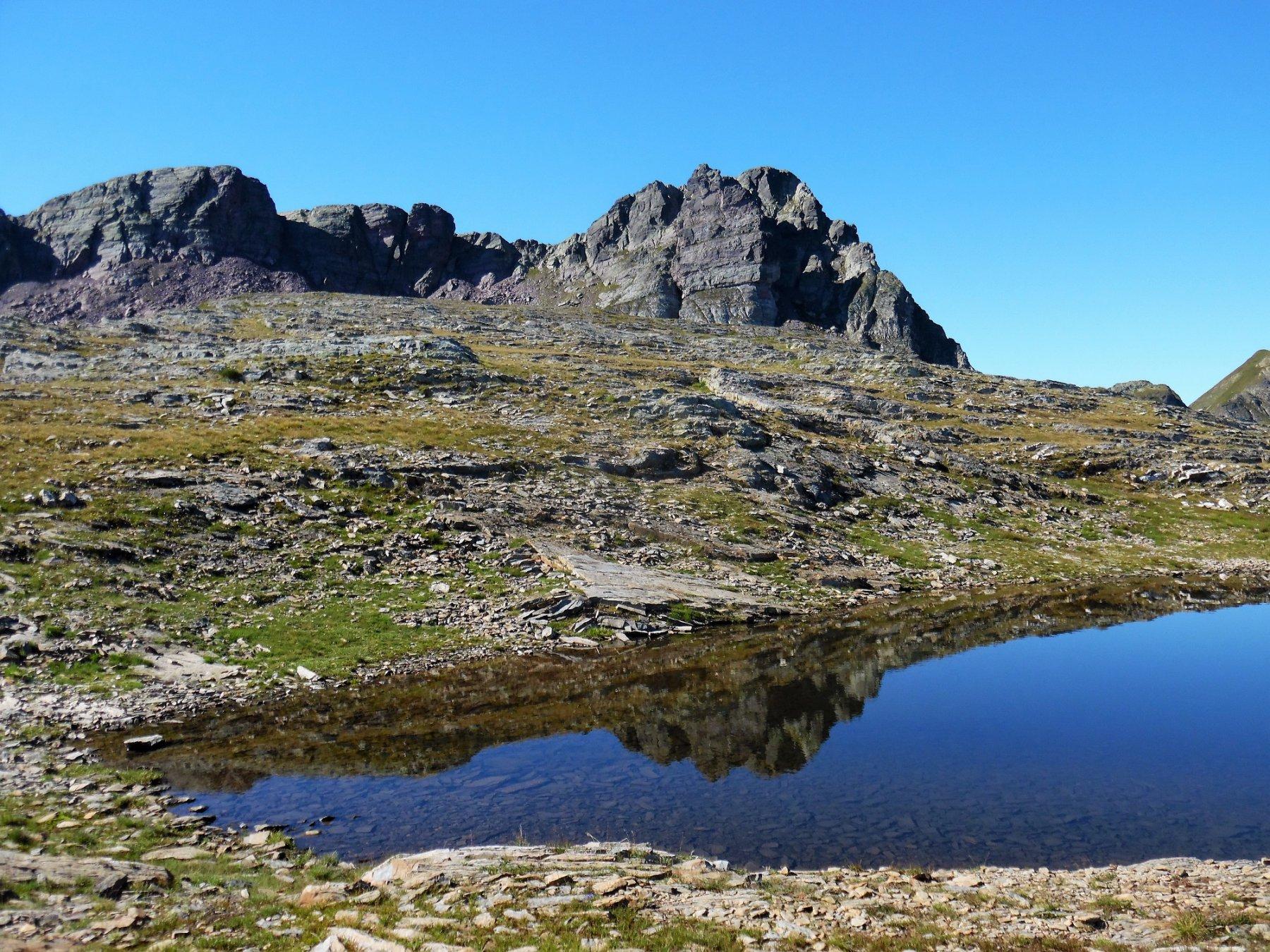 Cime di Valsanguigno da laghetto monte Aviasco