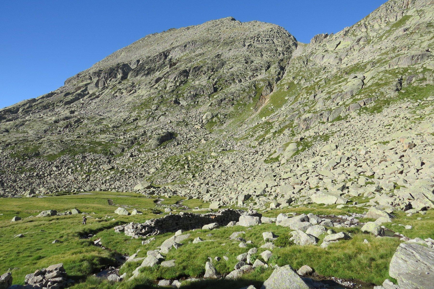 Valsoera vecchia ed in alto, Bocchetta di Valsoera