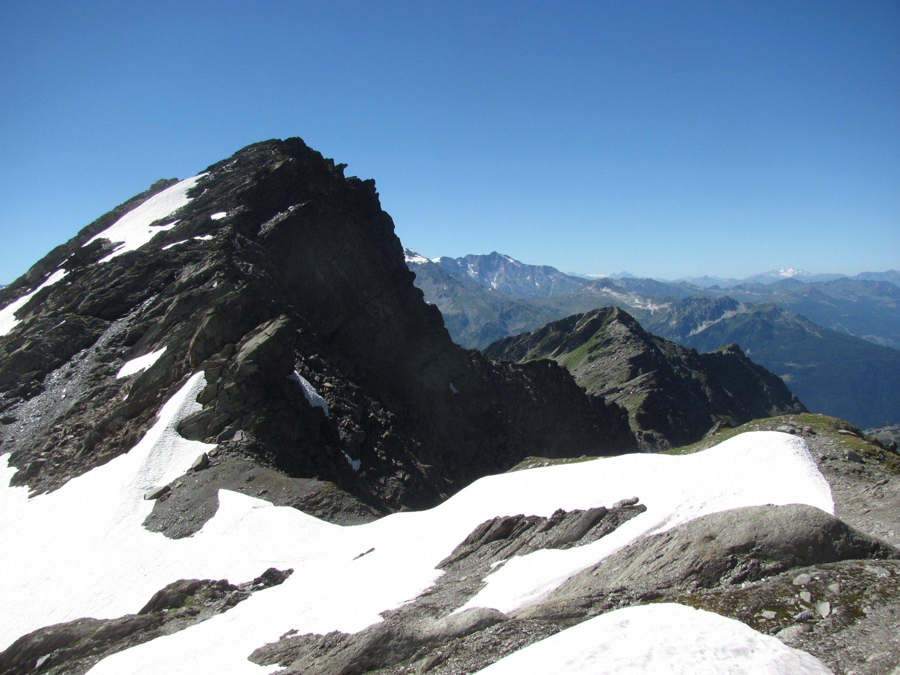 Sopra il Col de Serre, con la Lex Blanche (m. 2802)