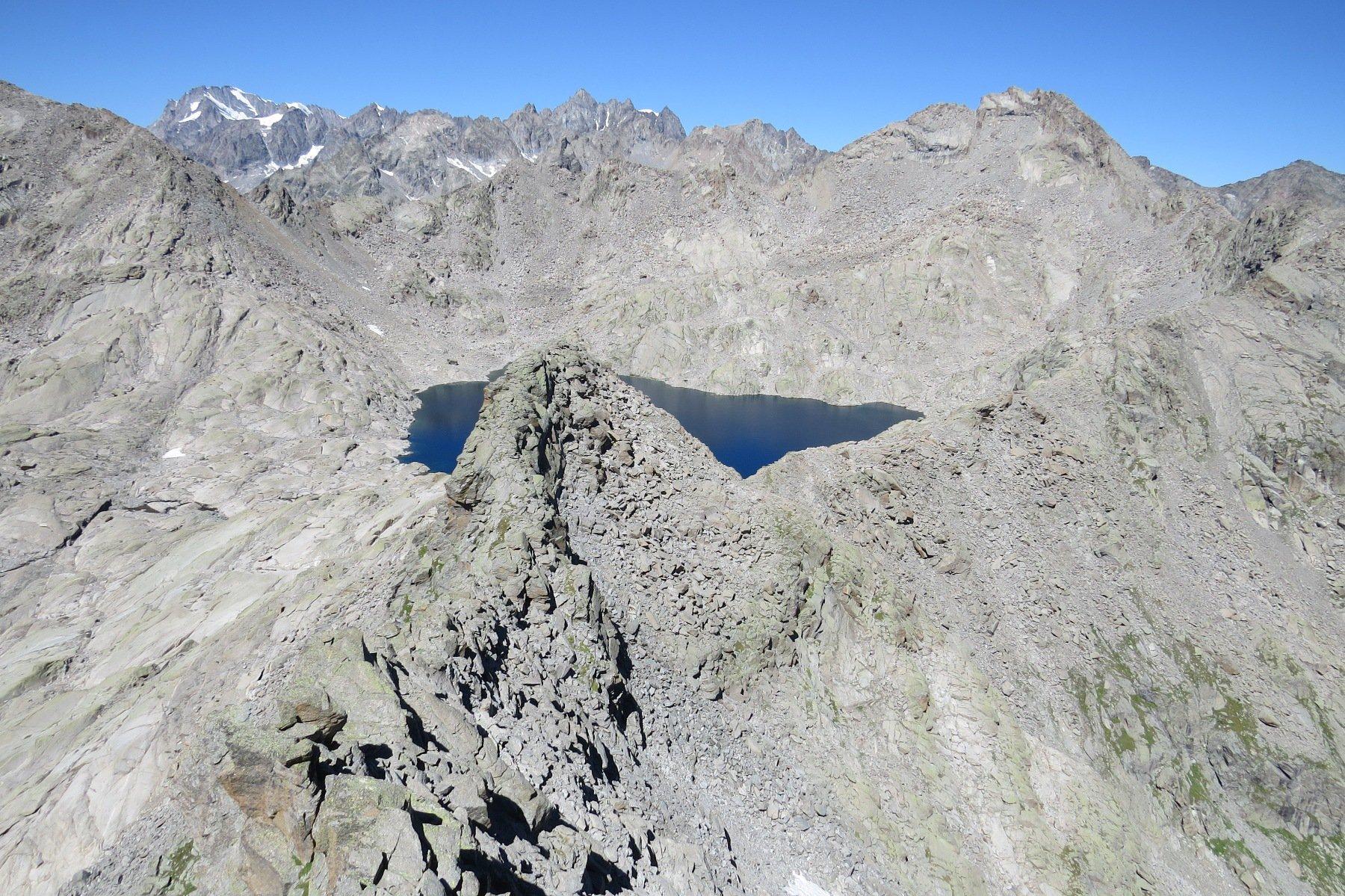 Dalla cresta ovest, il Lago Gelato