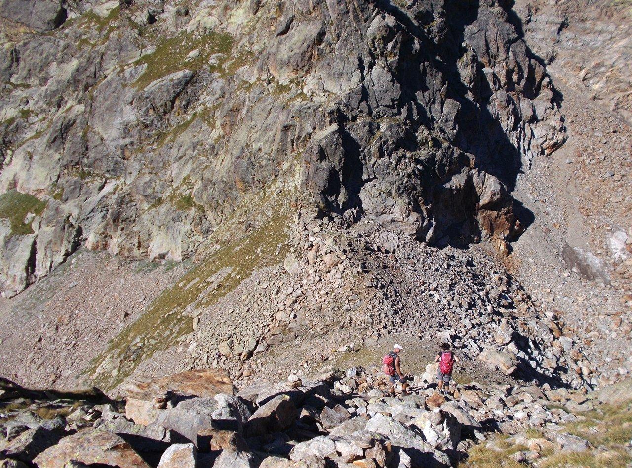 sopra Passo Cabrera ,verso la conca pietrosa che conduce in cima