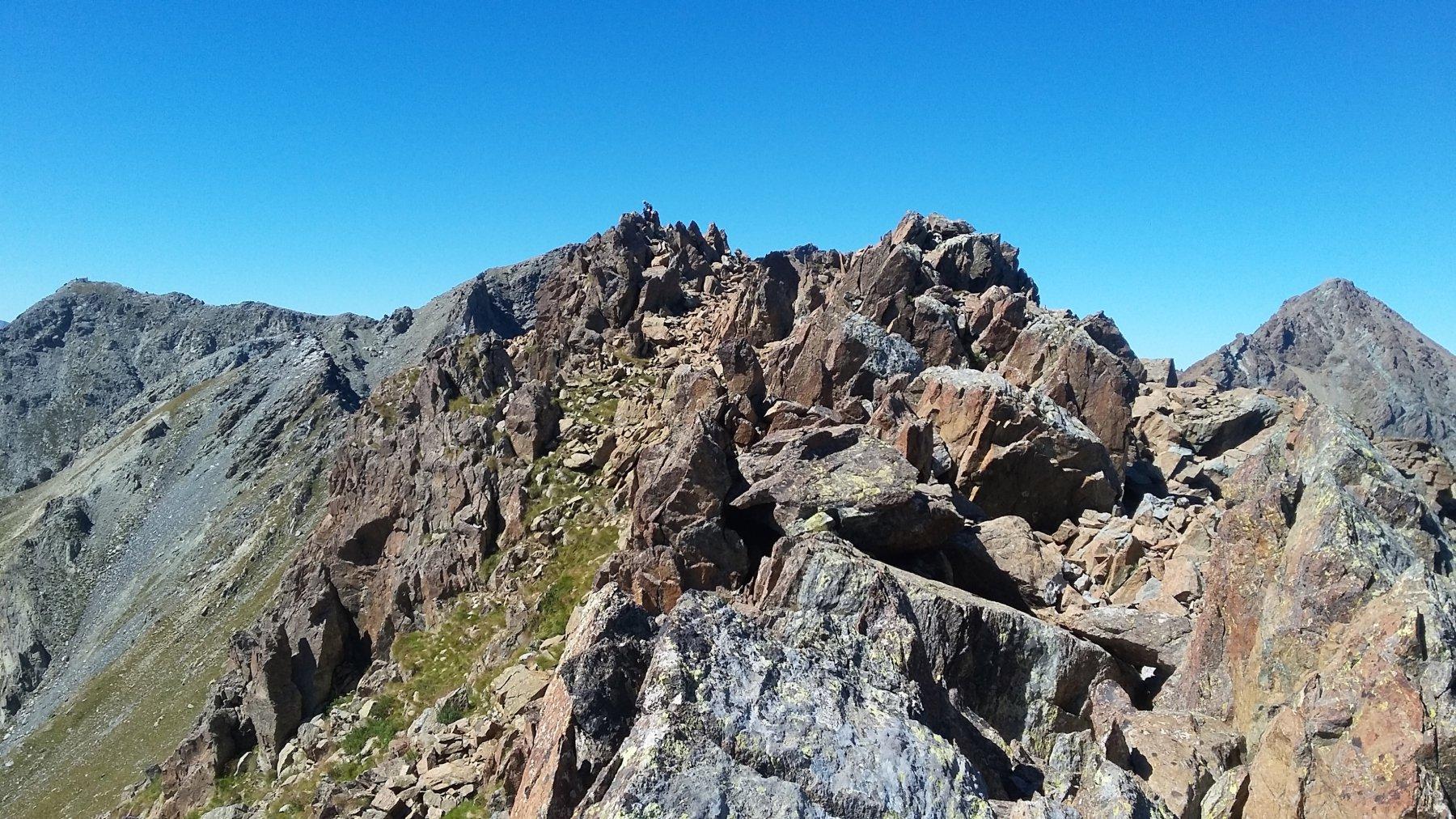dalla croce le roccette della cima con Robinet e Cristalliera