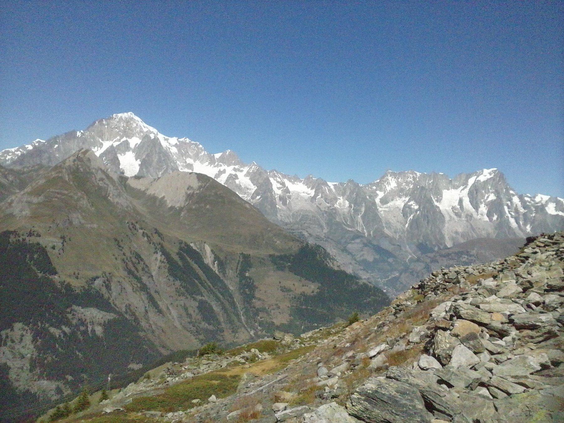 Panorama verso la catena del Monte Bianco  dal colle della Croce..
